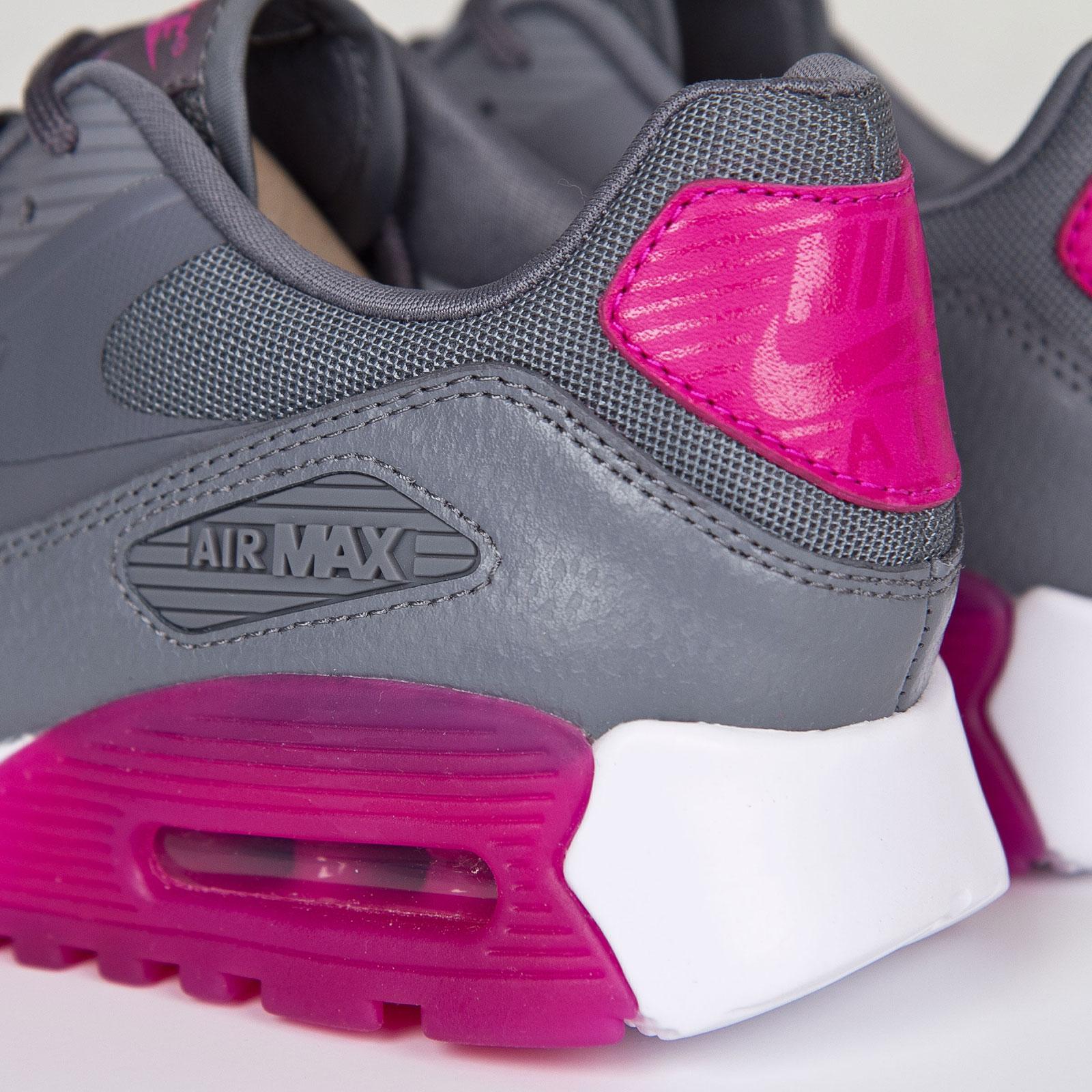 116fafb0eda0 Nike W Air Max 90 Ultra Essentials - 724981-002 - Sneakersnstuff ...