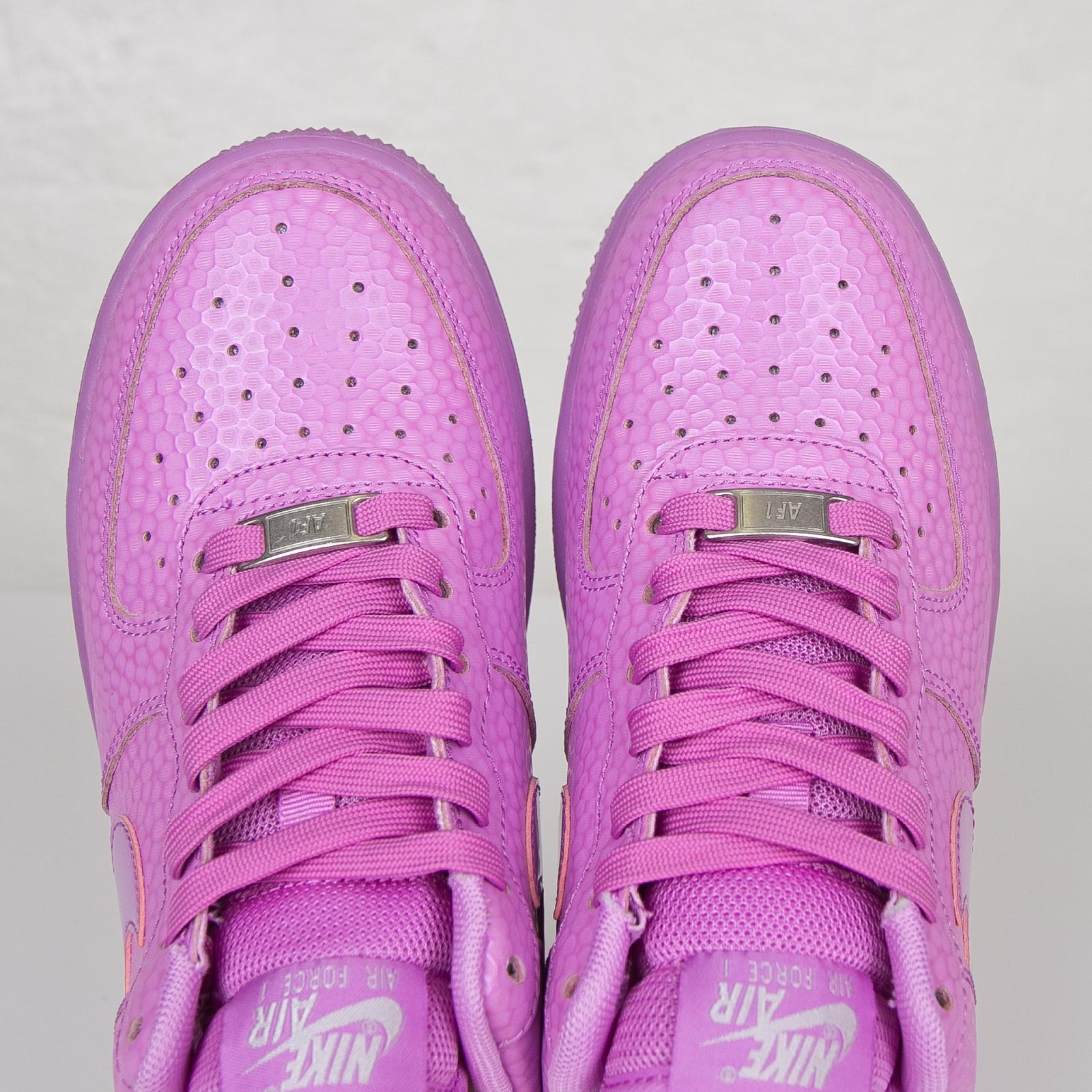 Nike Wmns Air Force 1 07 Premium 616725 500