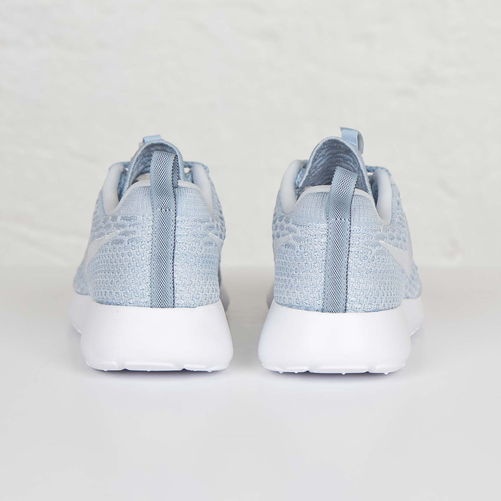 Nike Wmns Roshe One Flyknit 704927 401 Sneakersnstuff