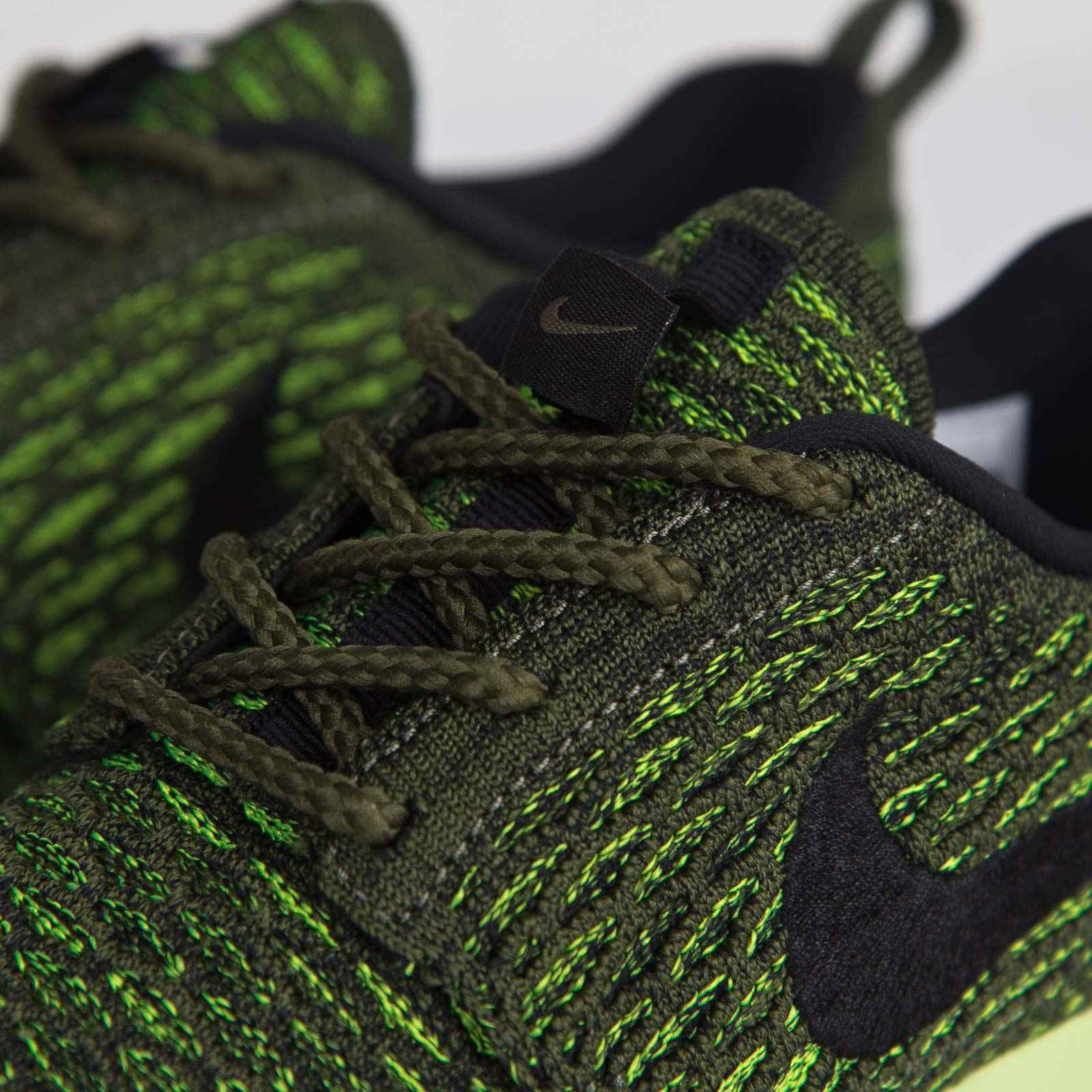 new product 64b95 9e291 Nike Wmns Roshe One Flyknit - 6. Close