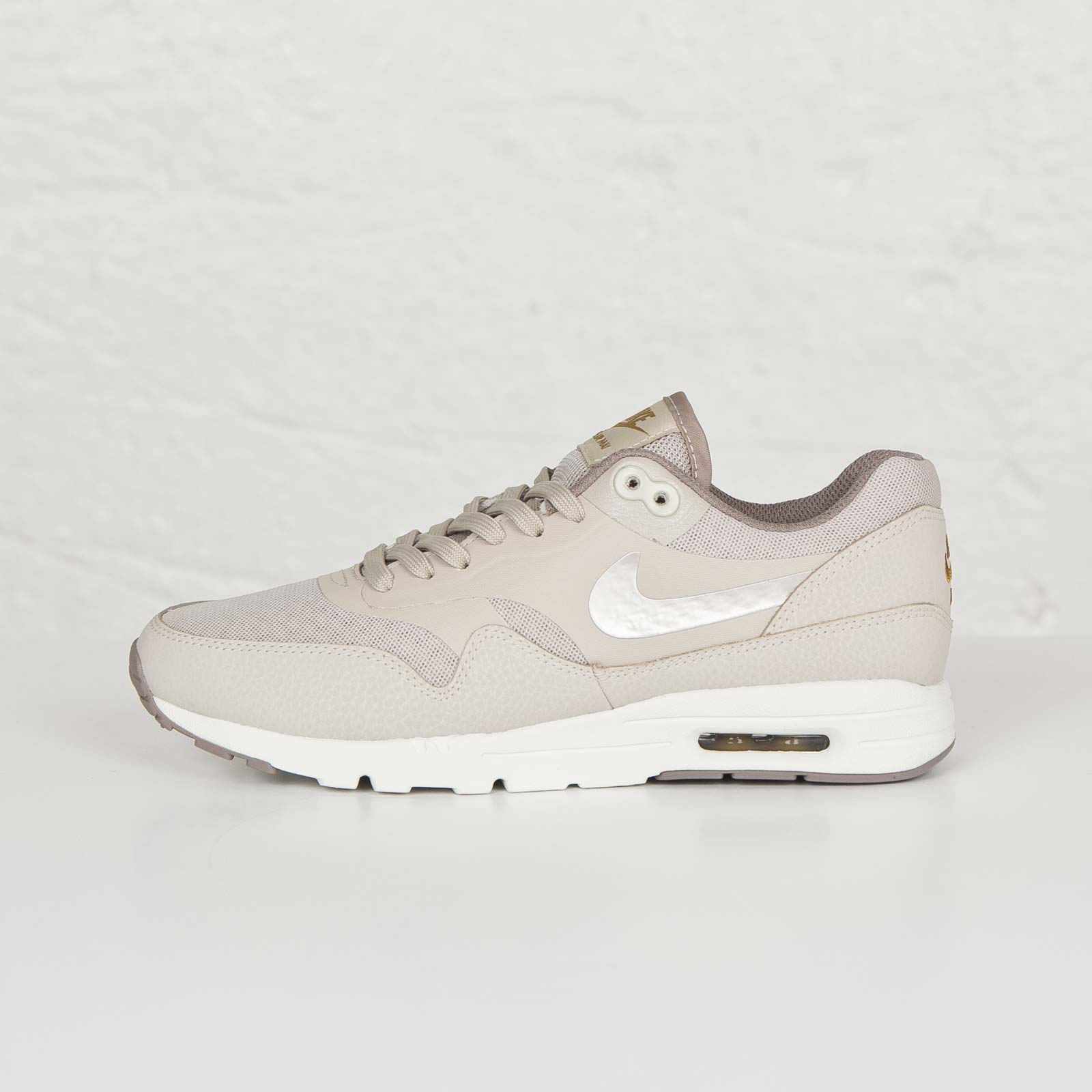 new style 6570a 75be5 Nike Wmns Air Max 1 Ultra Essentials - 704993-200 - Sneakersnstuff ...