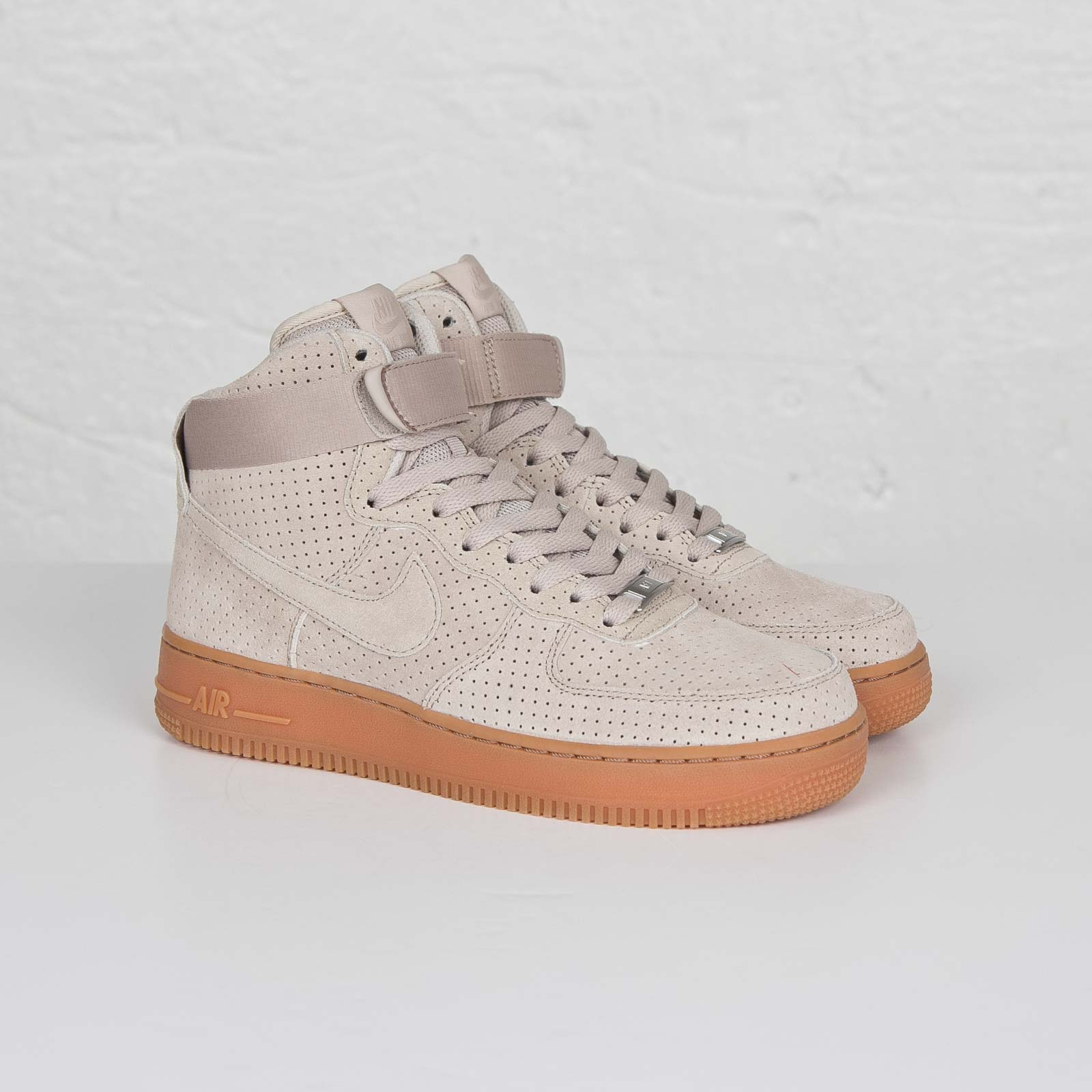 cheap for discount d79c3 95a01 Nike Wmns Air Force 1 Hi Suede