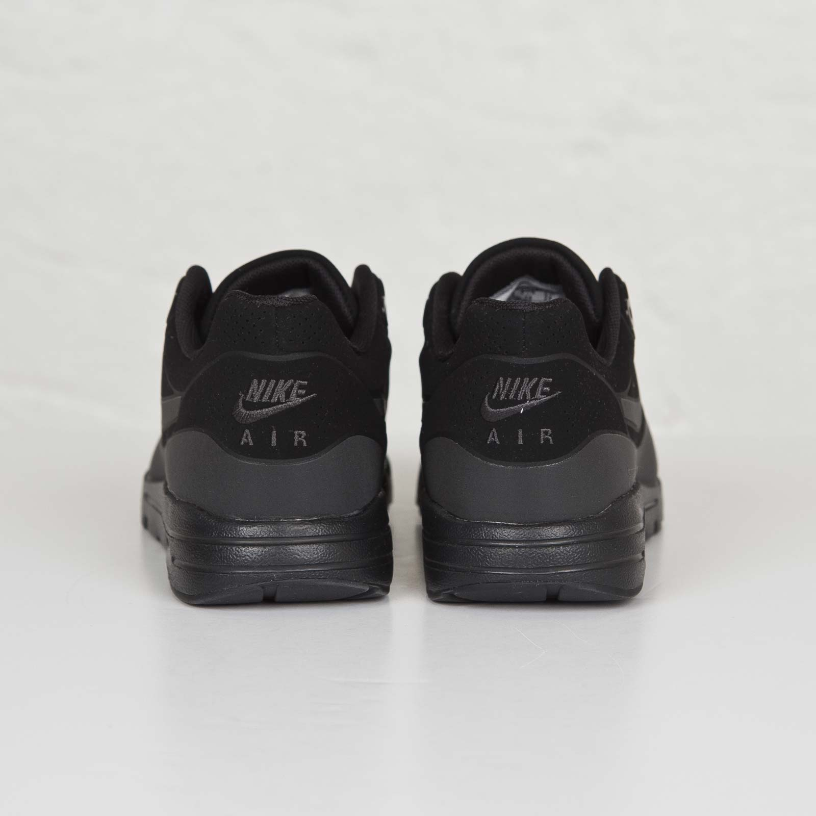 quality design 1e50e 6f593 Nike Wmns Air Max 1 Ultra Moire - 704995-003 - Sneakersnstuff   sneakers    streetwear online since 1999
