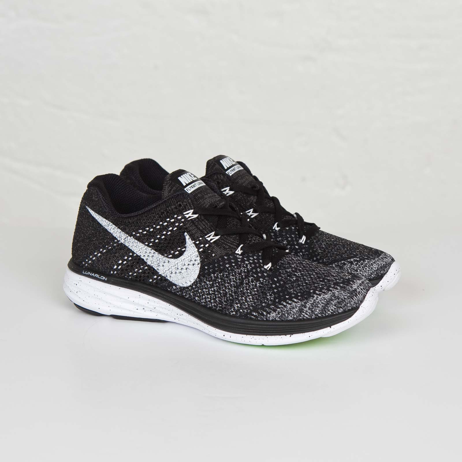 innovative design cfa67 8b8ef Nike Wmns Flyknit Lunar3 - 698182-001 - Sneakersnstuff ...