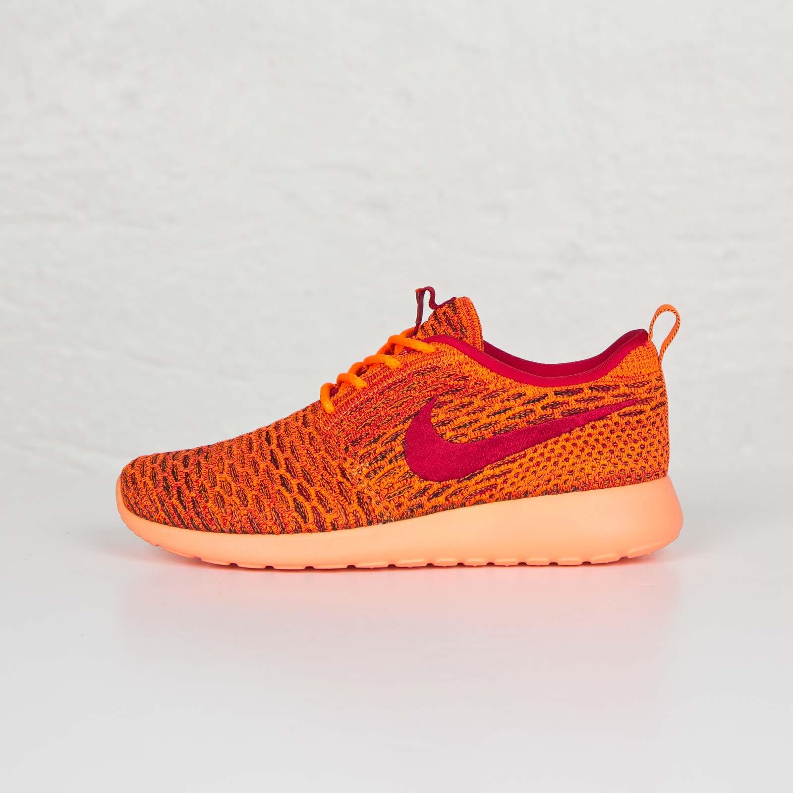 buy popular 15867 6eeb3 Nike Wmns Roshe One Flyknit - 704927-801 - Sneakersnstuff   sneakers    streetwear online since 1999