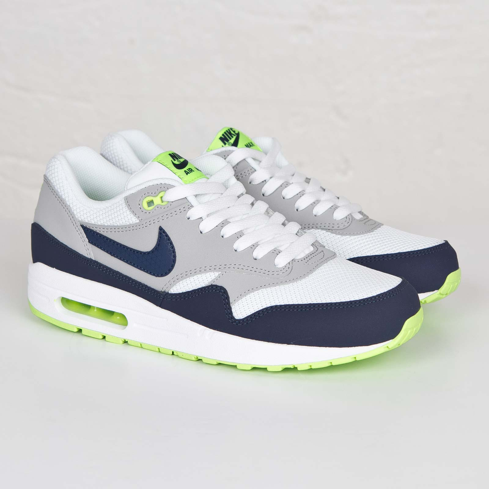 innovative design 4d351 3ad51 Nike Air Max 1 Essential