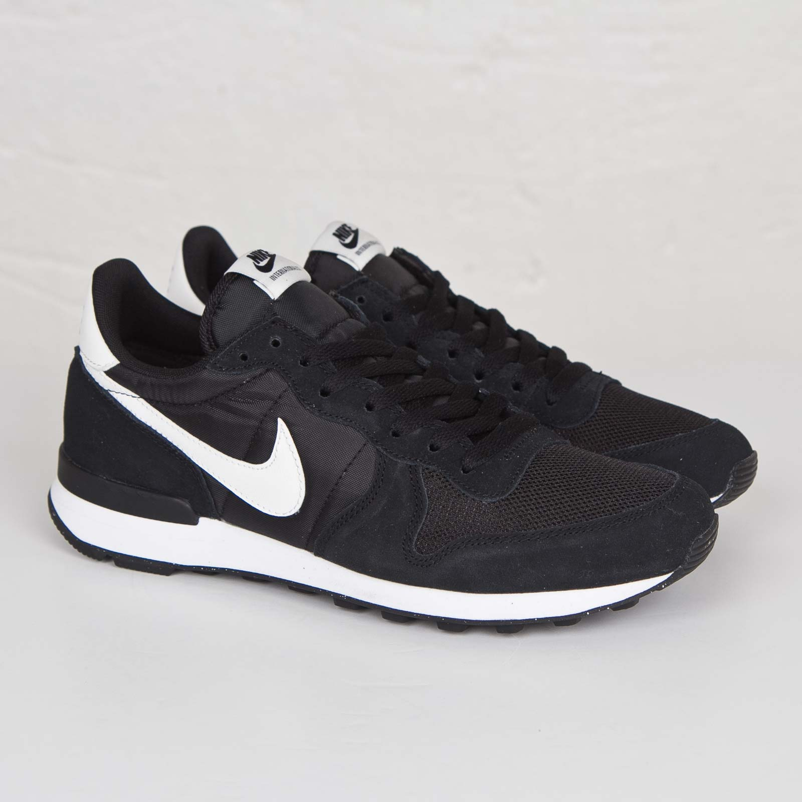 Nike Internationalist - 631754-011 - Sneakersnstuff | sneakers ...