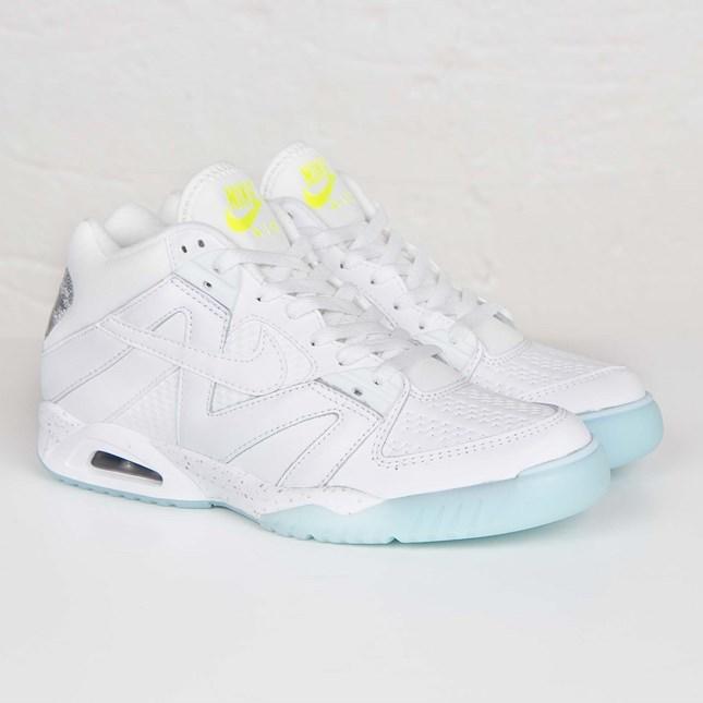 borroso Comprometido cáncer  Nike Air Tech Challenge III - 749957-101 - Sneakersnstuff | sneakers &  streetwear online since 1999