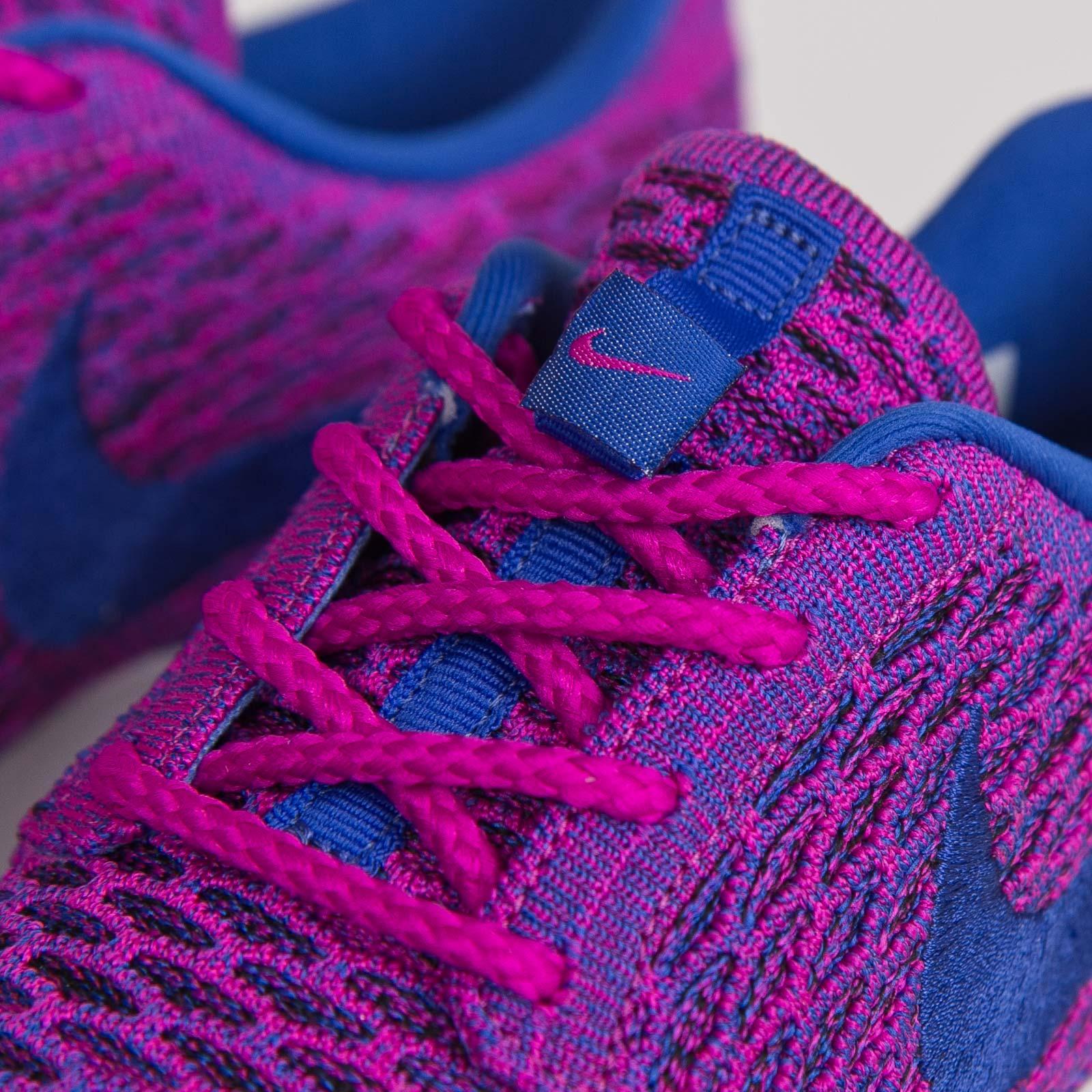 652ab4d03d17 Nike Wmns Roshe One Flyknit - 704927-501 - Sneakersnstuff