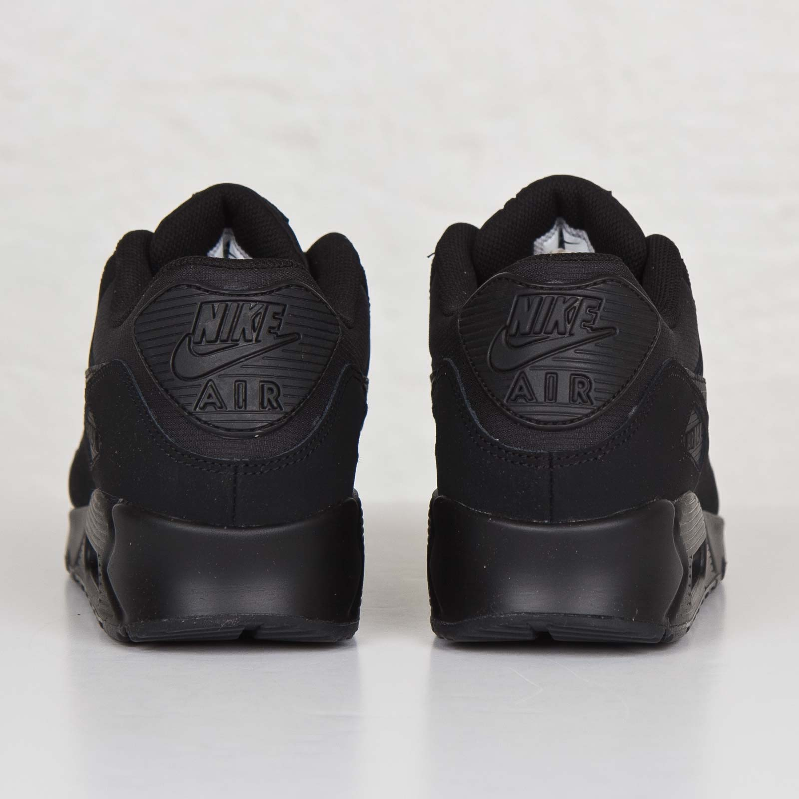 finest selection ab318 a904e Nike Air Max 90 Essential - 537384-046 - Sneakersnstuff   sneakers   streetwear  online since 1999