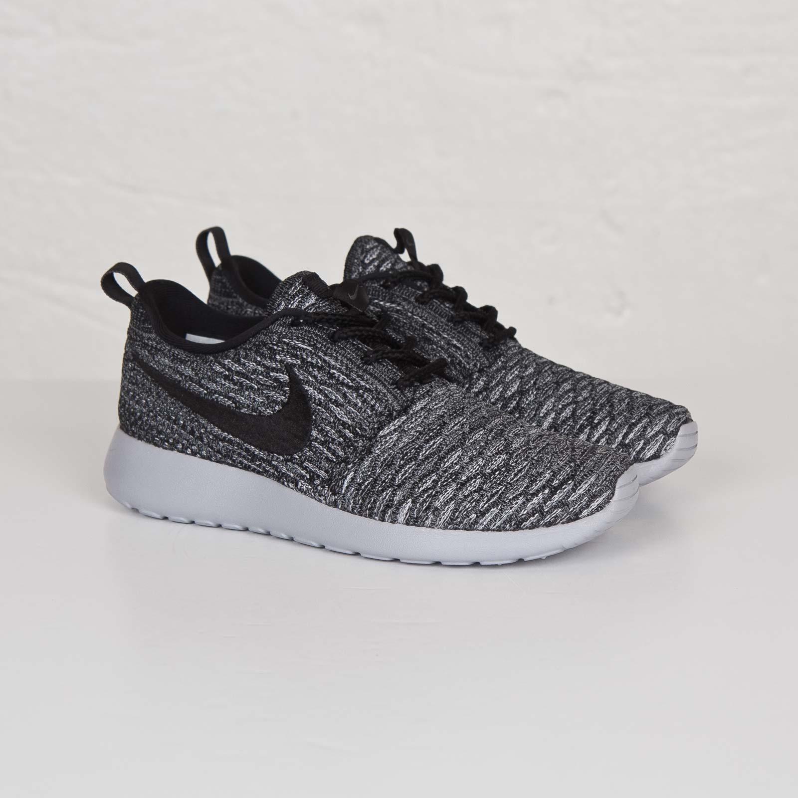 Nike Wmns Roshe One Flyknit - 704927