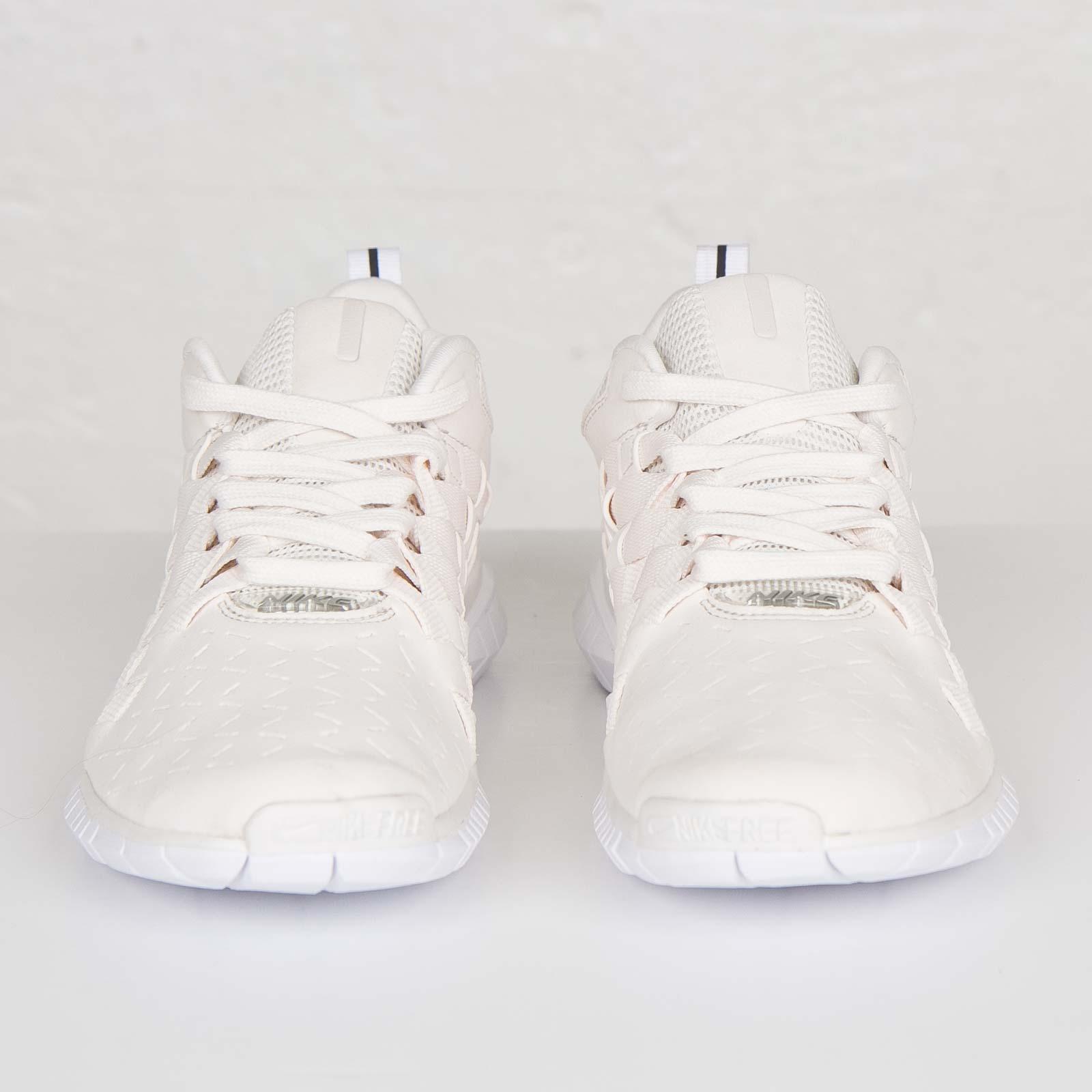 huge selection of 09f27 97b23 Nike Free OG 14 Woven - 725070-011 - Sneakersnstuff   sneakers   streetwear  online since 1999