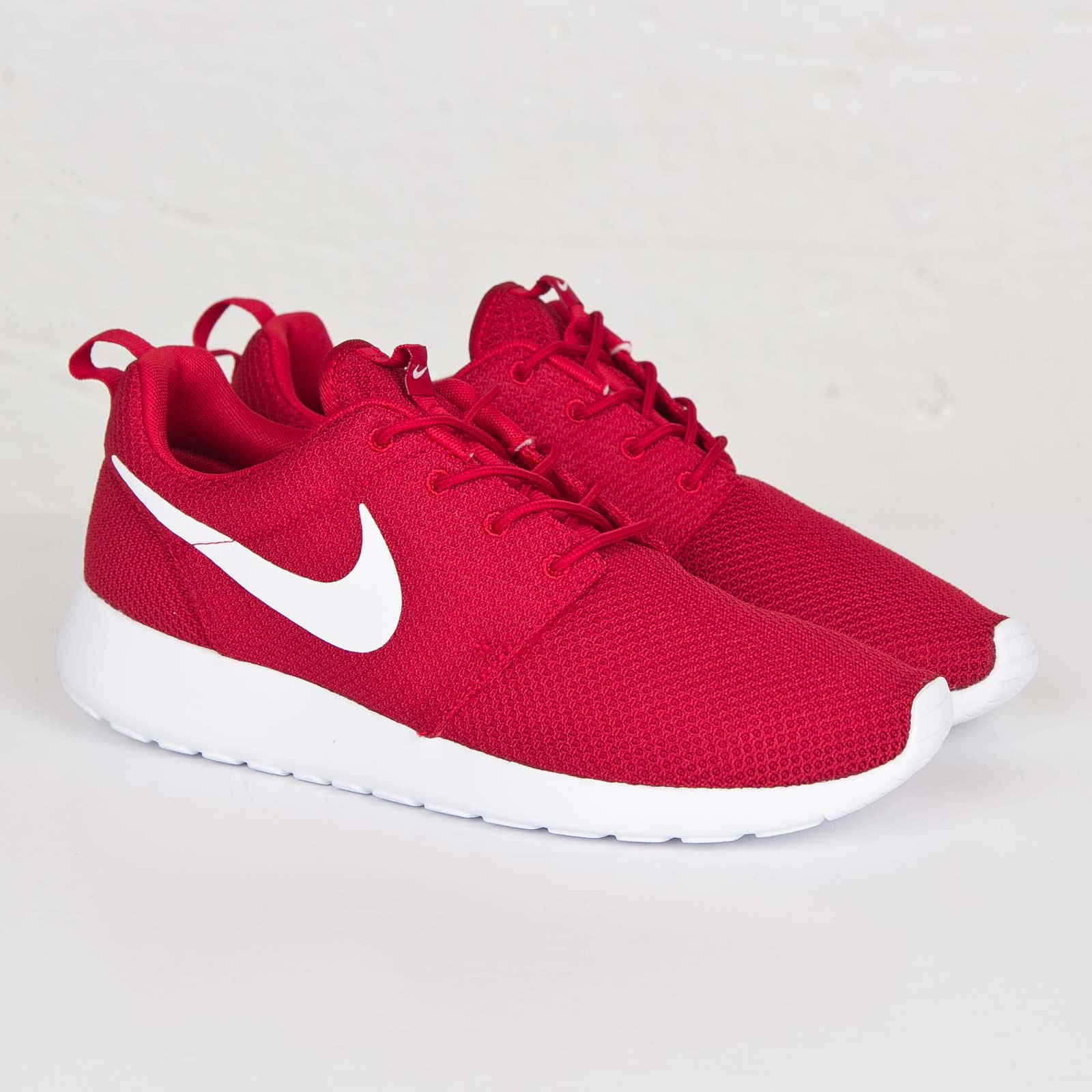 new products 9d1aa e4b85 Nike Roshe One - 511881-612 - Sneakersnstuff   sneakers ...