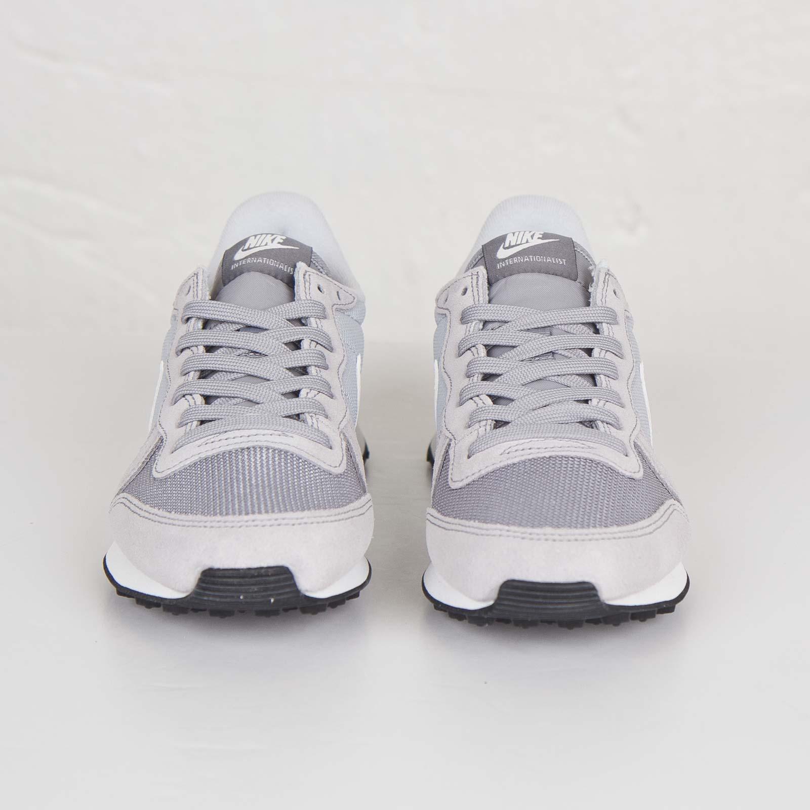 wholesale dealer 16019 b16dd Nike Wmns Internationalist - 629684-015 - Sneakersnstuff   sneakers    streetwear online since 1999