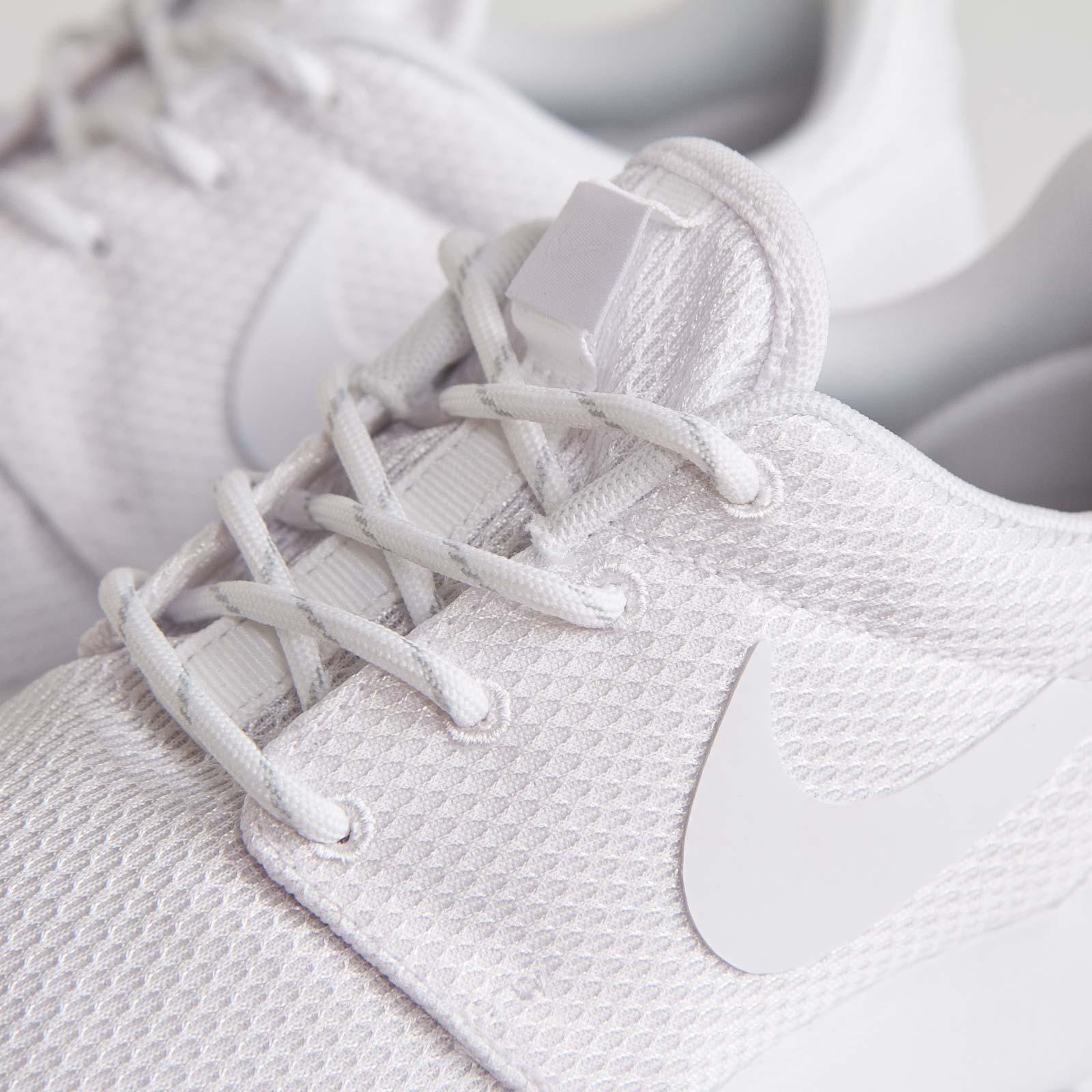 7accca2993aa Nike Wmns Roshe Run - 511882-111 - Sneakersnstuff