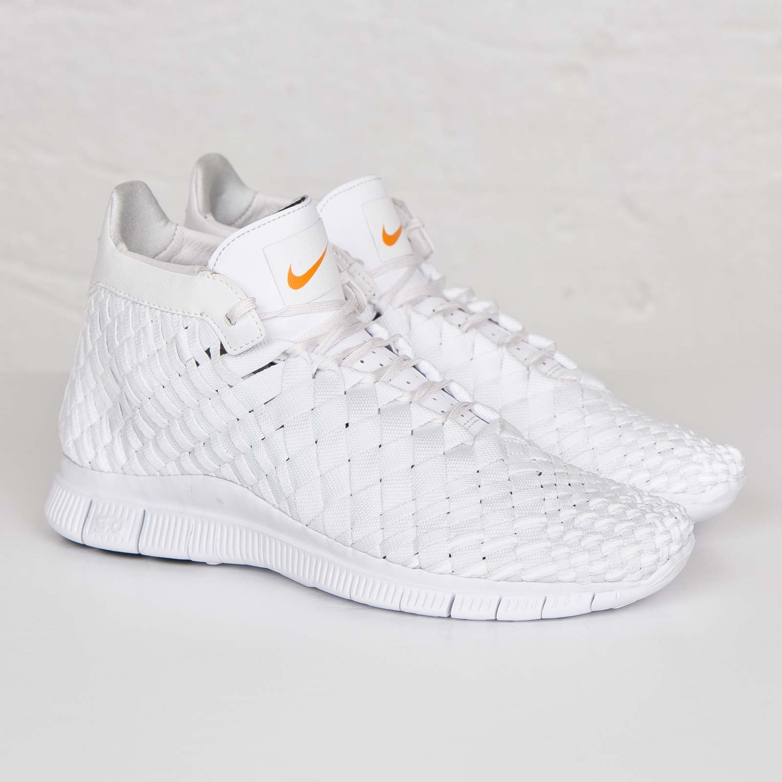 Nike Free Inneva Woven Mid SP - 800907-110 - Sneakersnstuff ... 55541e12b546