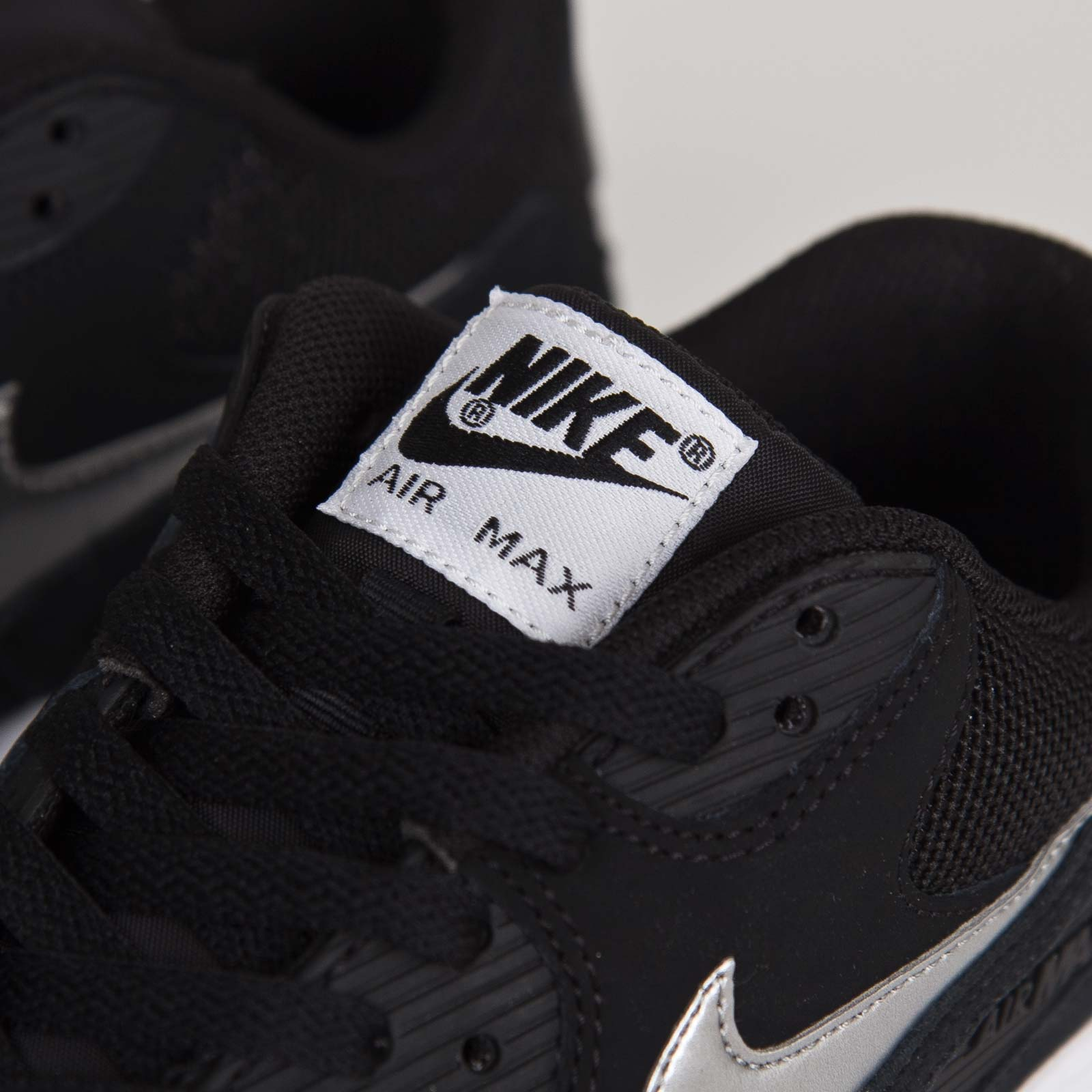 official photos 8f803 55b76 Nike Air Max 90 Essential - 537384-047 - Sneakersnstuff   sneakers    streetwear online since 1999