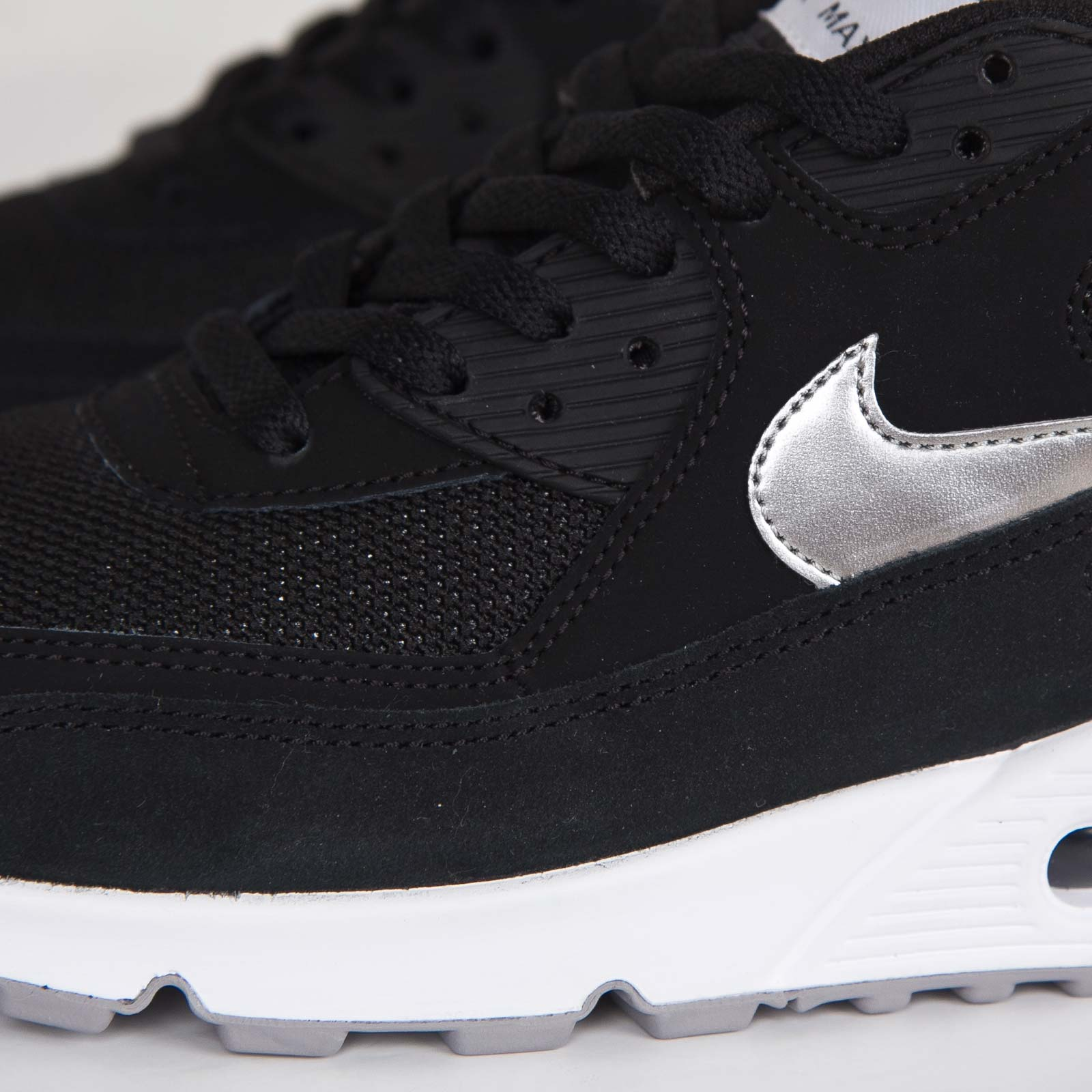 official photos 4c7a9 b7883 Nike Air Max 90 Essential - 537384-047 - Sneakersnstuff   sneakers    streetwear online since 1999
