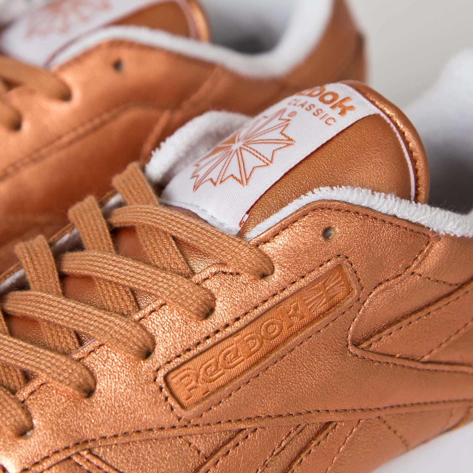 Conexión Hacia abajo Silenciosamente  Reebok Classic Leather Spirit - V67022 - Sneakersnstuff   sneakers &  streetwear online since 1999