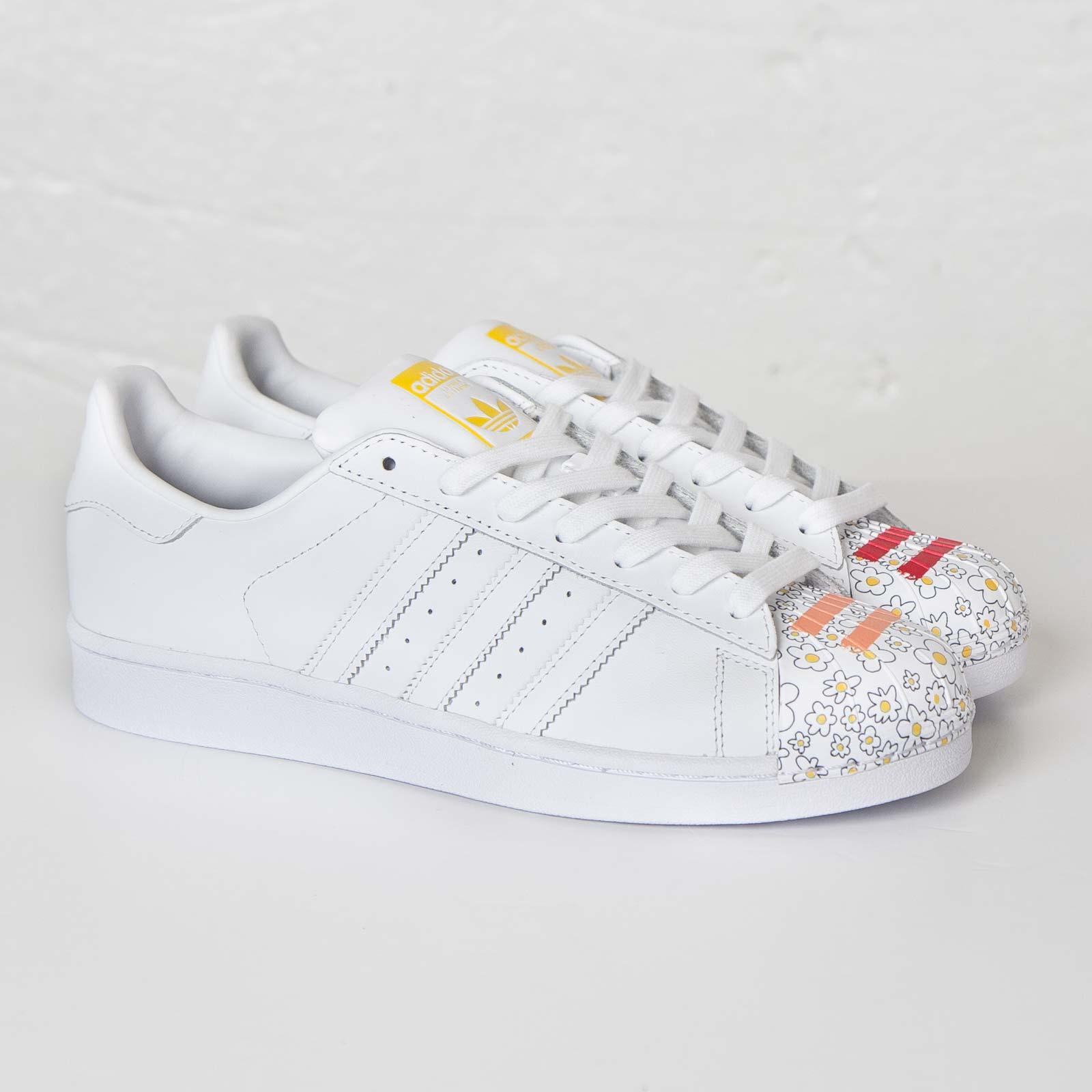 Favorevolmente Alla Moda scarpe Adidas uomo Superstar