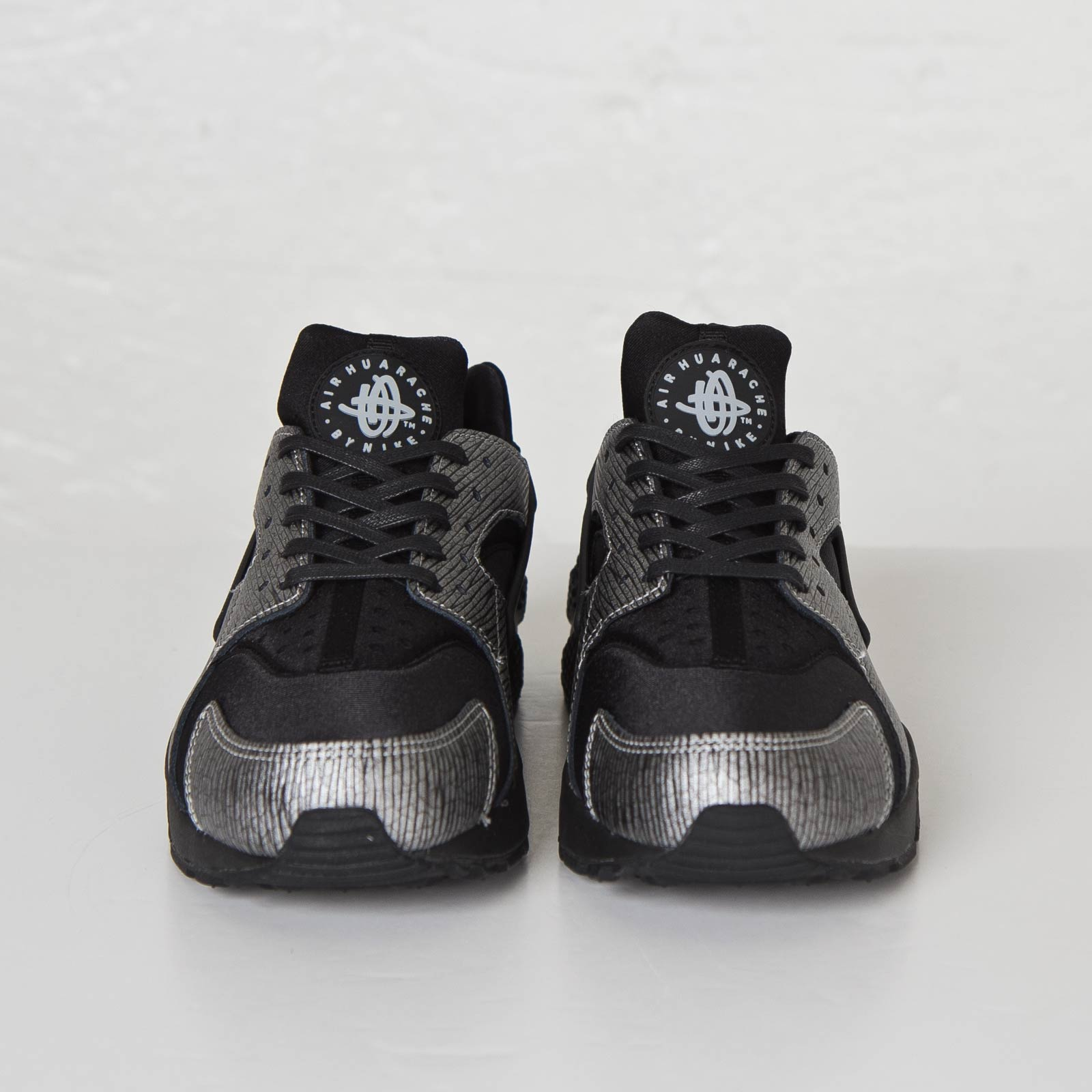 quality design c97c1 2926b Nike Wmns Air Huarache Run Premium Nike Wmns Air Huarache Run Premium ...