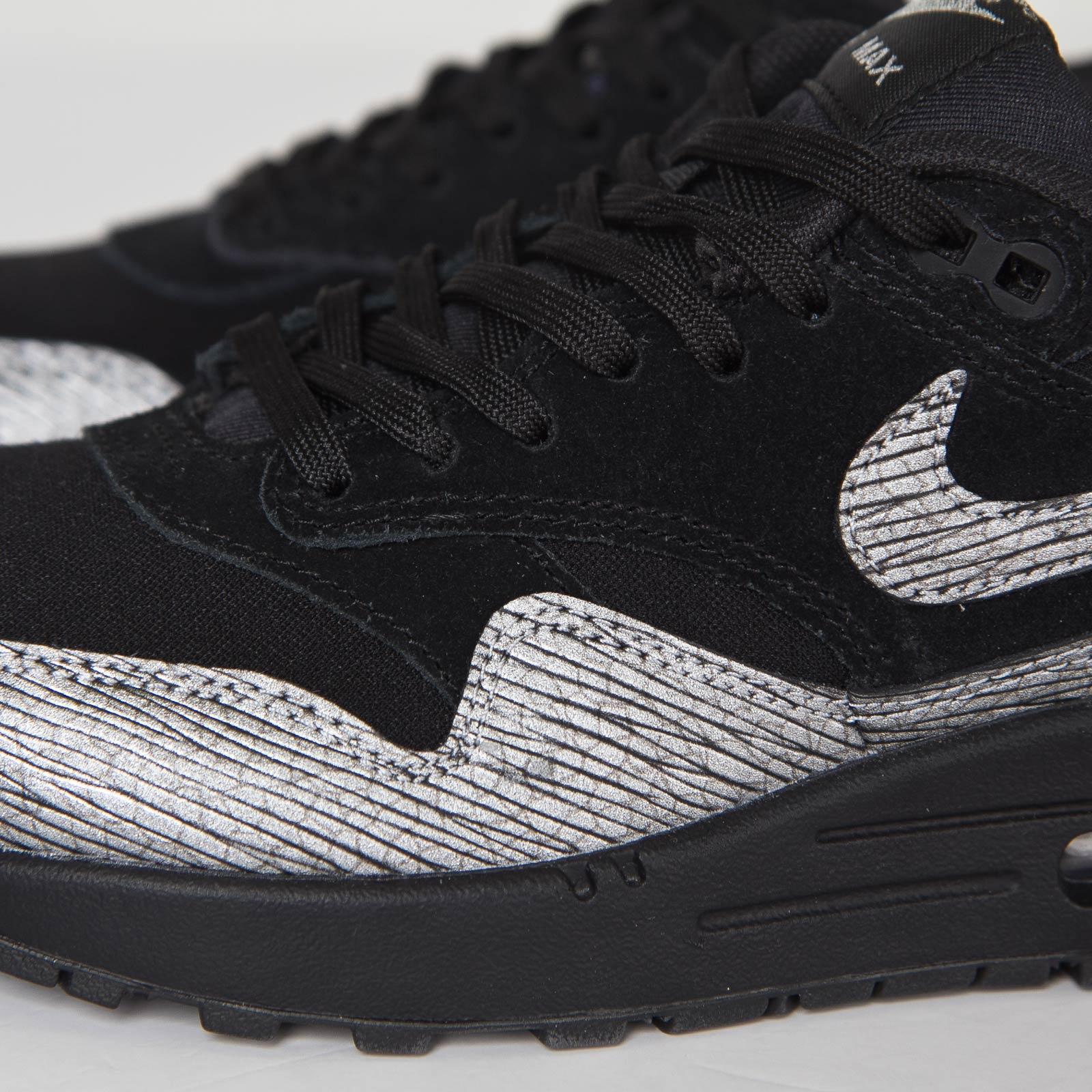 sale retailer bd18c 2d209 Nike Wmns Air Max 1 Premium - 6. Close