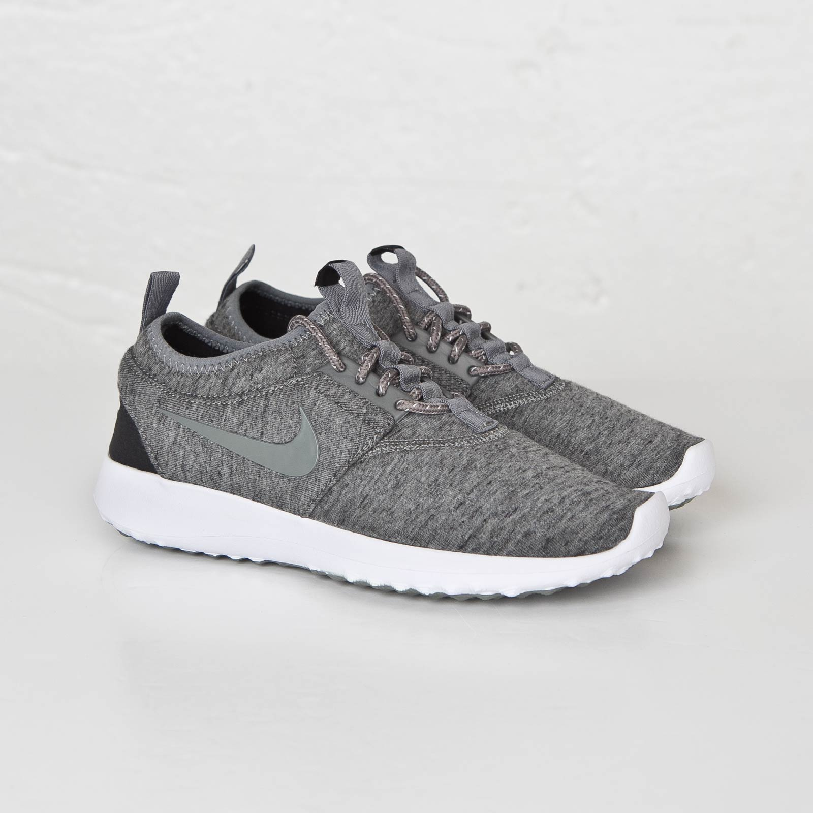big sale 998ea 33f0f Nike Wmns Juvenate Fleece