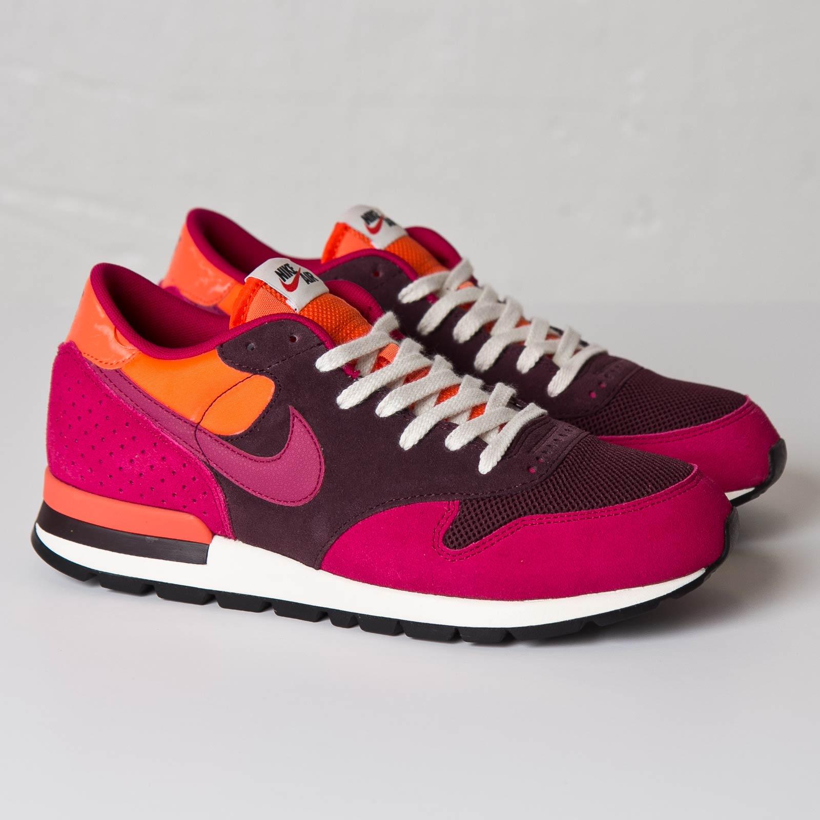 Nike Air Epic QS - 810171-600 - Sneakersnstuff  5f99793af