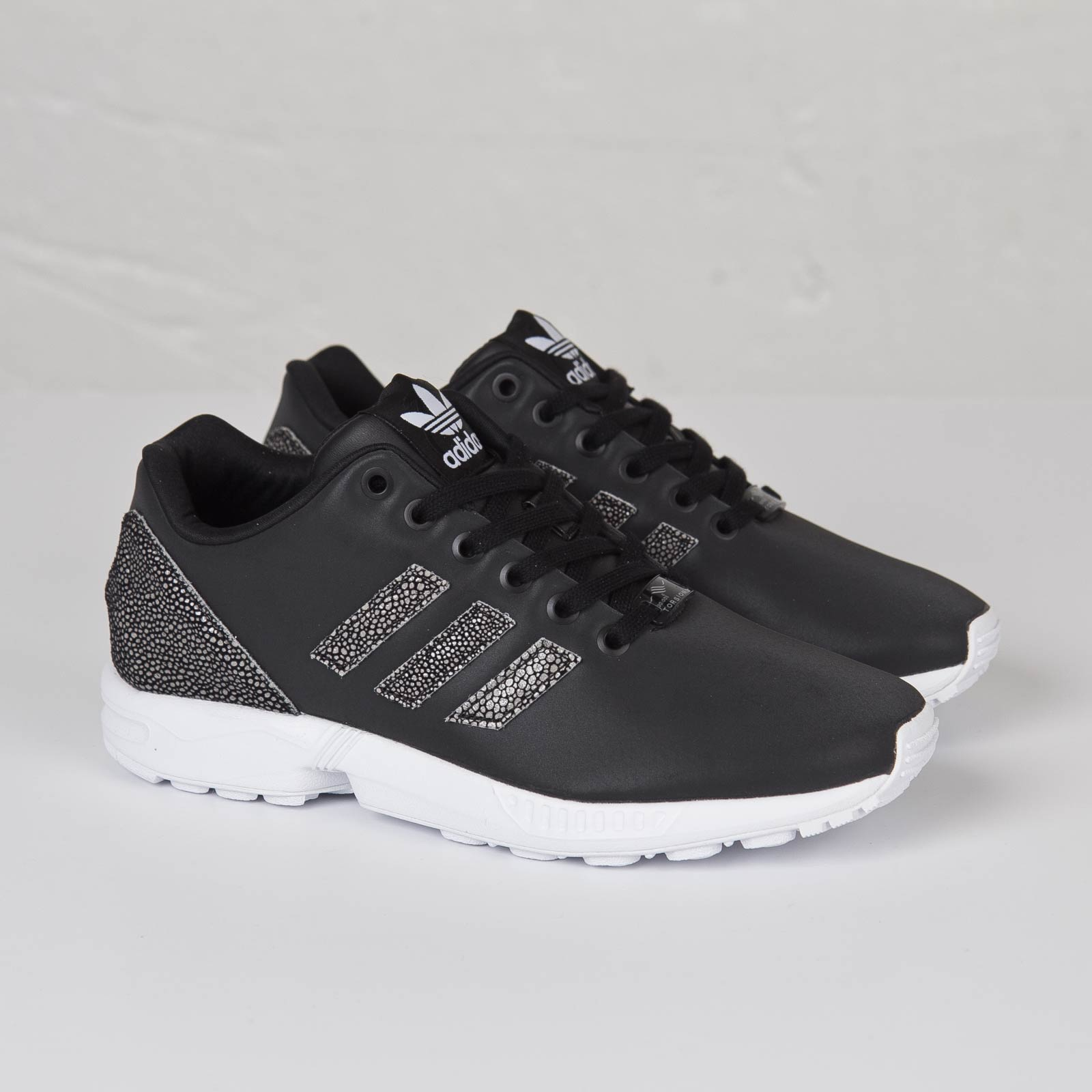 separation shoes a76fc a96b8 adidas ZX Flux W