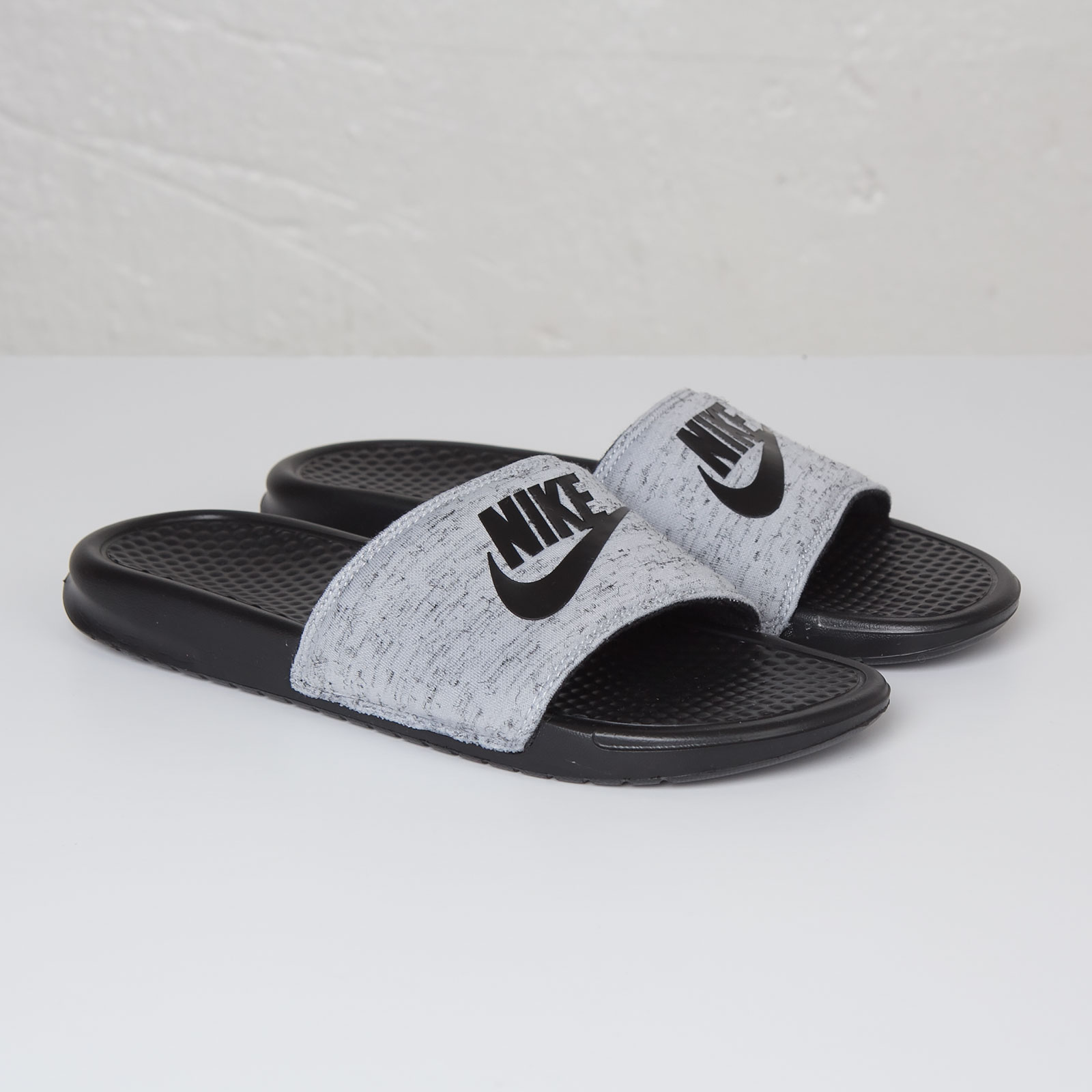 cb270a8a703f Nike Benassi JDI Fleece QS - 822020-001 - Sneakersnstuff