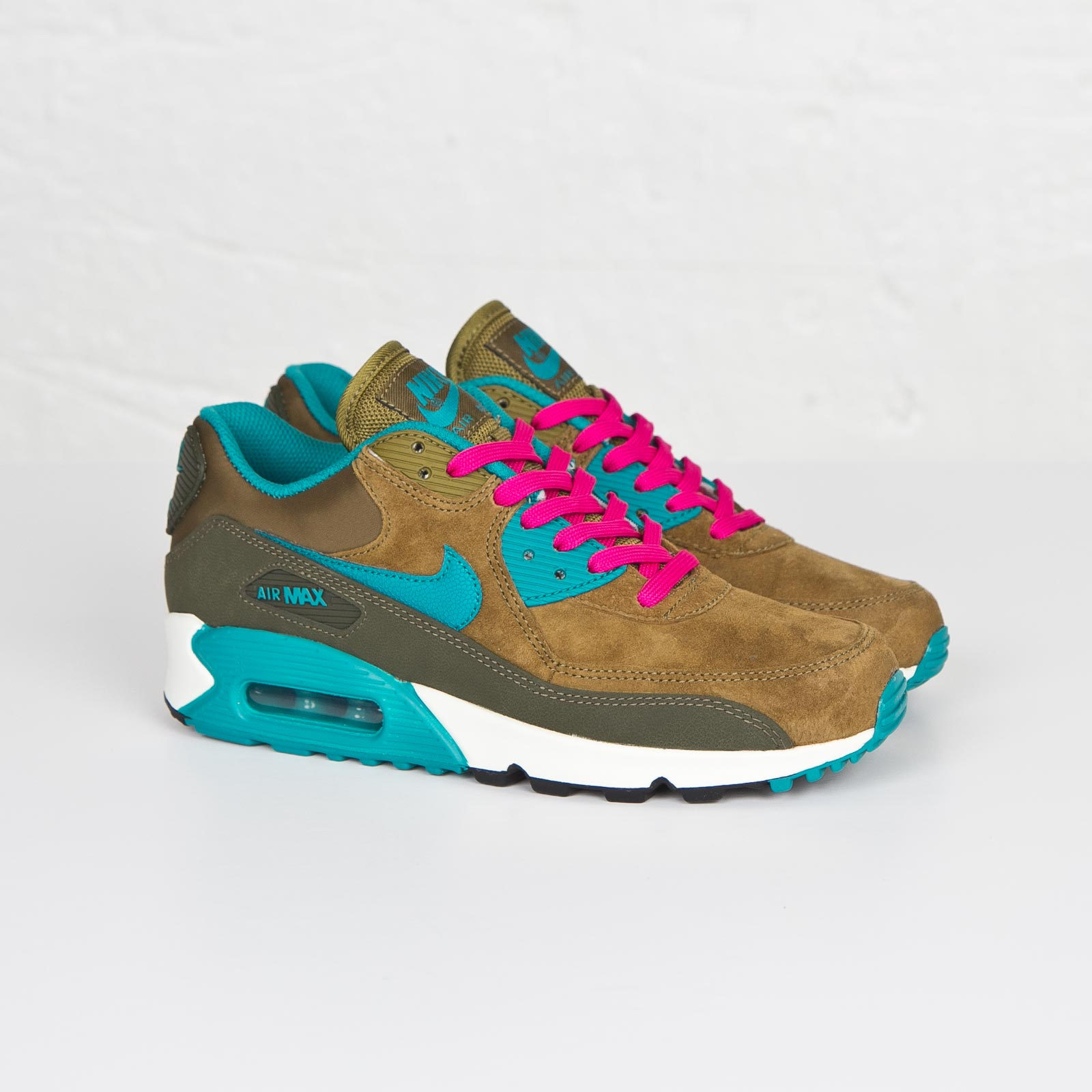 Nike Wmns Air Max 90 Leather - 768887-300 - Sneakersnstuff ... 870b821c49a