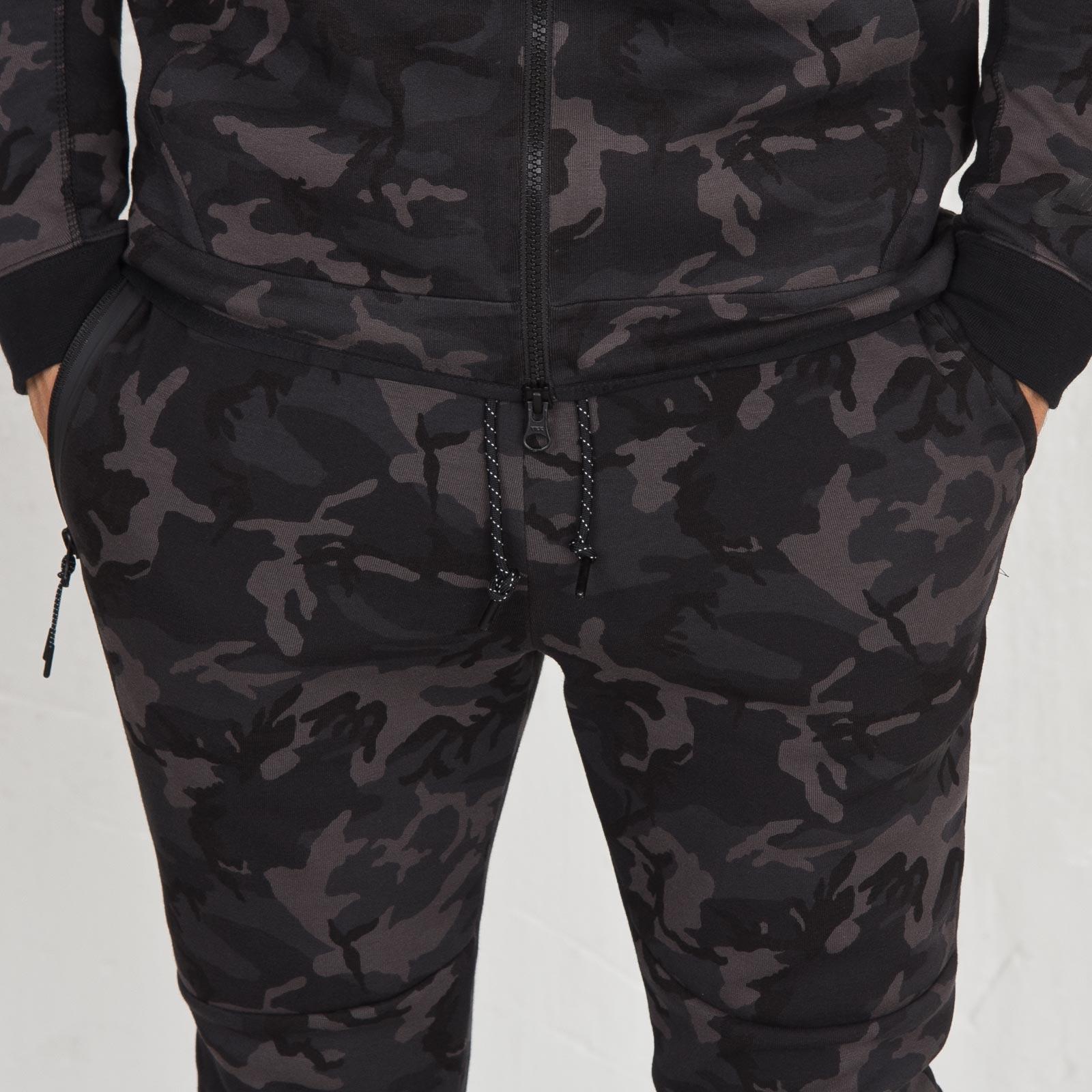 b249533a7045 Nike Tech Fleece Pant - Camo - 682852-233 - Sneakersnstuff ...