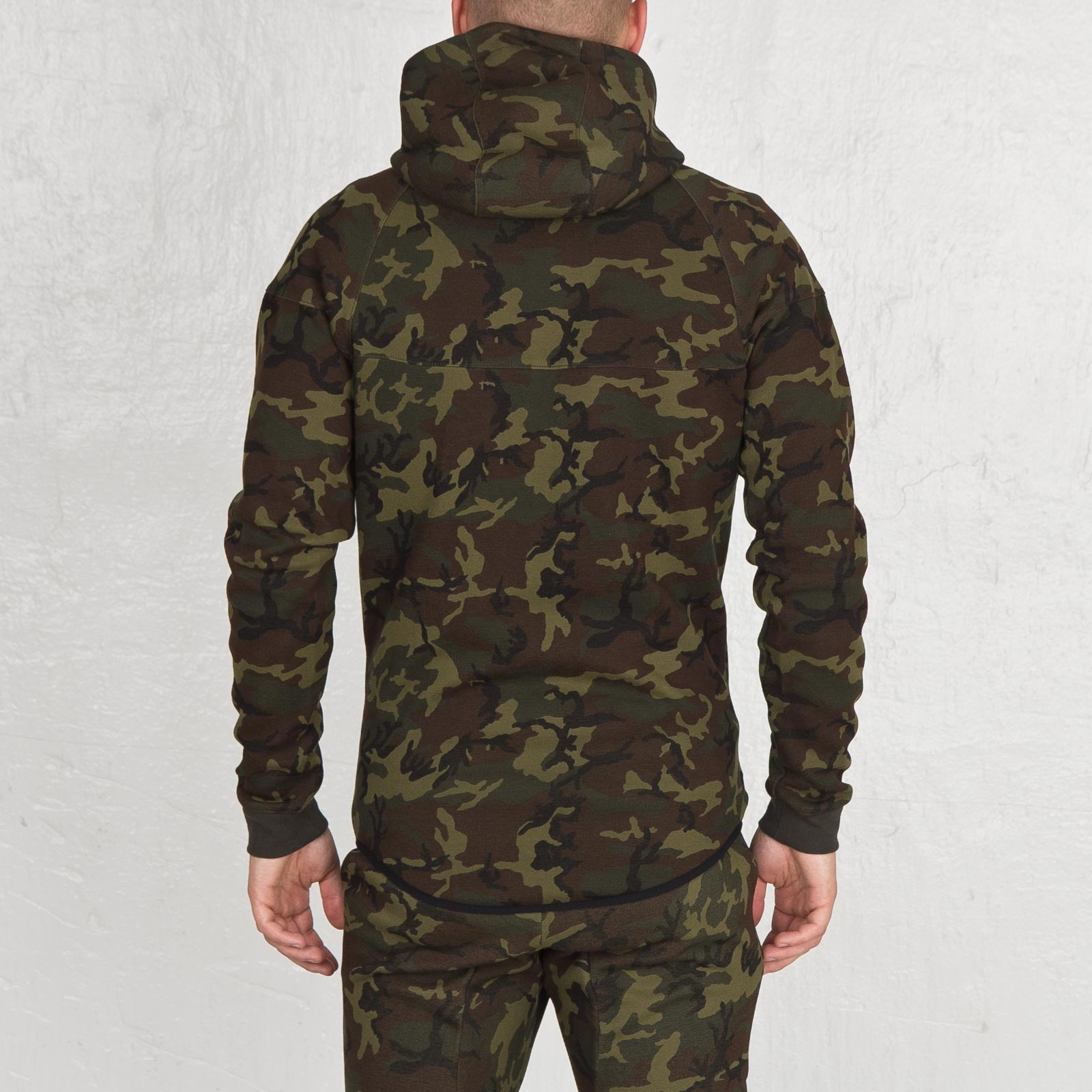 ce3fd366d0 Nike Tech Fleece Windrunner - Camo - 694004-355 - Sneakersnstuff ...