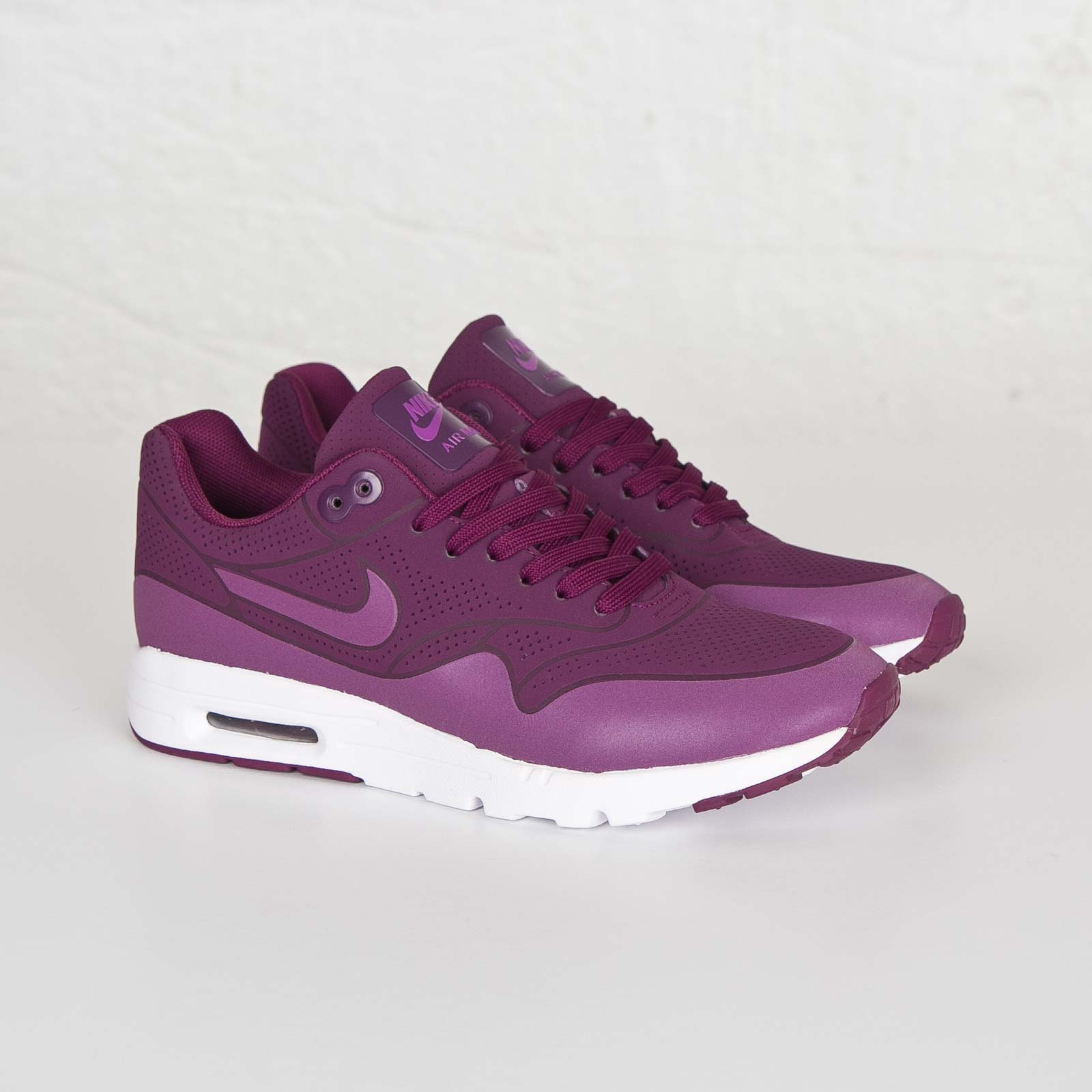 Nike Wmns Air Max 1 Ultra Moire - 704995-500 - SNS   sneakers ...