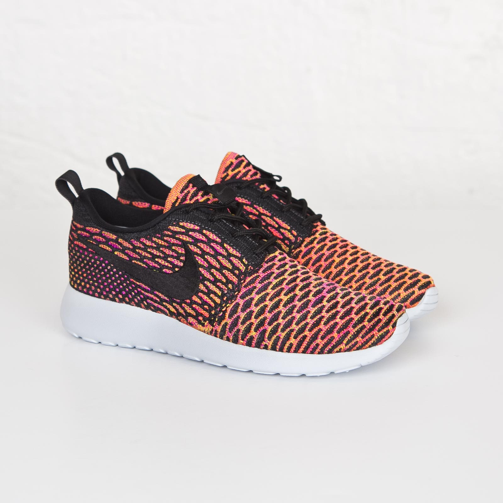 100% authentic df064 8b2b6 Nike Wmns Roshe One Flyknit