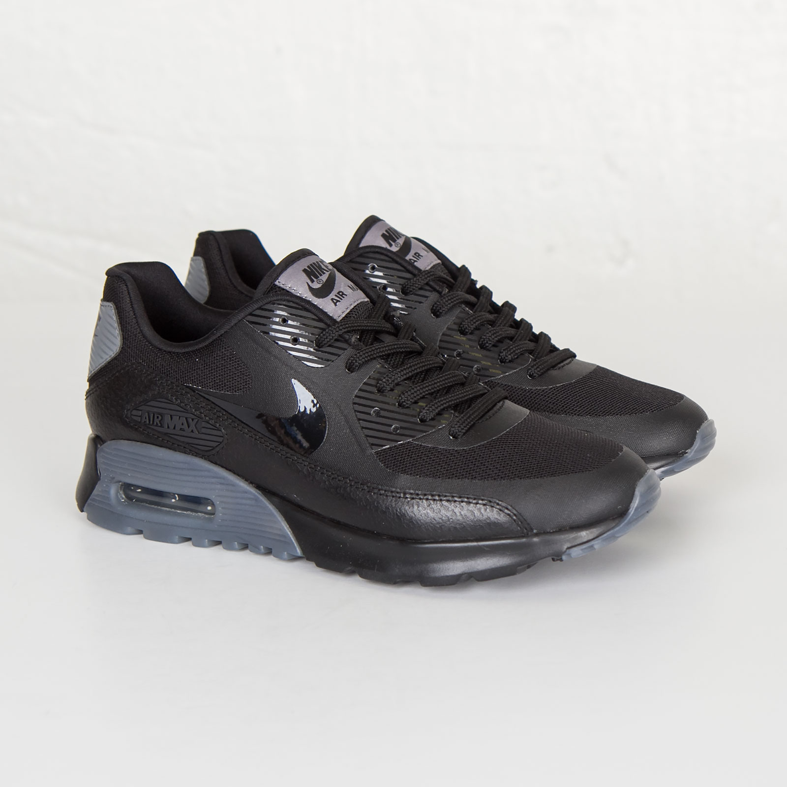 67a7309c699a Nike W Air Max 90 Ultra Essential - 724981-005 - Sneakersnstuff ...