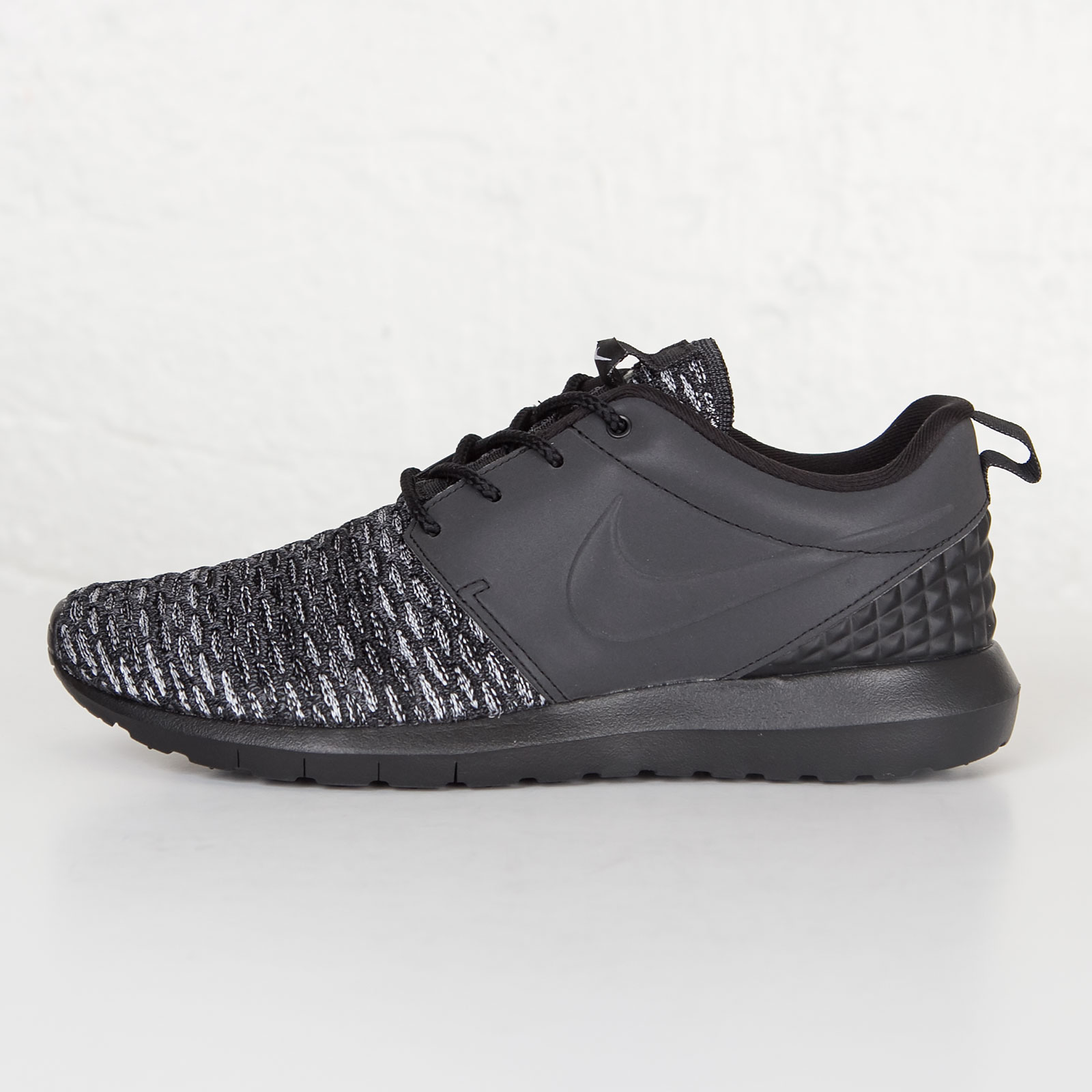 b4b7fdad525d where can i buy nike roshe nm flyknit premium black 18ffe 612c1