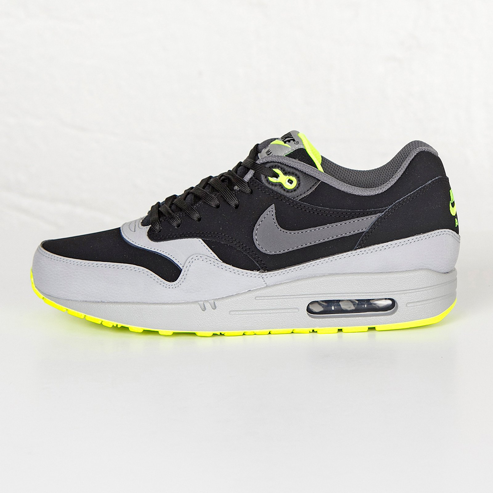 timeless design 79c32 66e97 Nike Air Max 1 LTR - 654466-007 - Sneakersnstuff   sneakers   streetwear  online since 1999