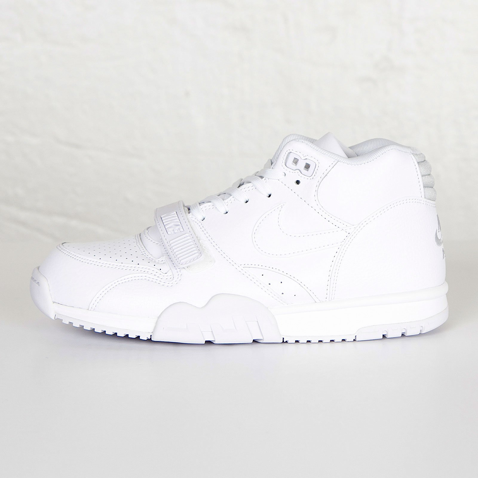 reputable site 385a2 80cac Nike Air Trainer 1 Mid - 6. Stäng