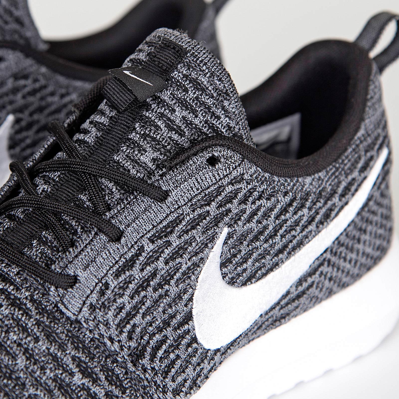 a35237cbbc44 Nike Roshe NM Flyknit - 677243-010 - Sneakersnstuff