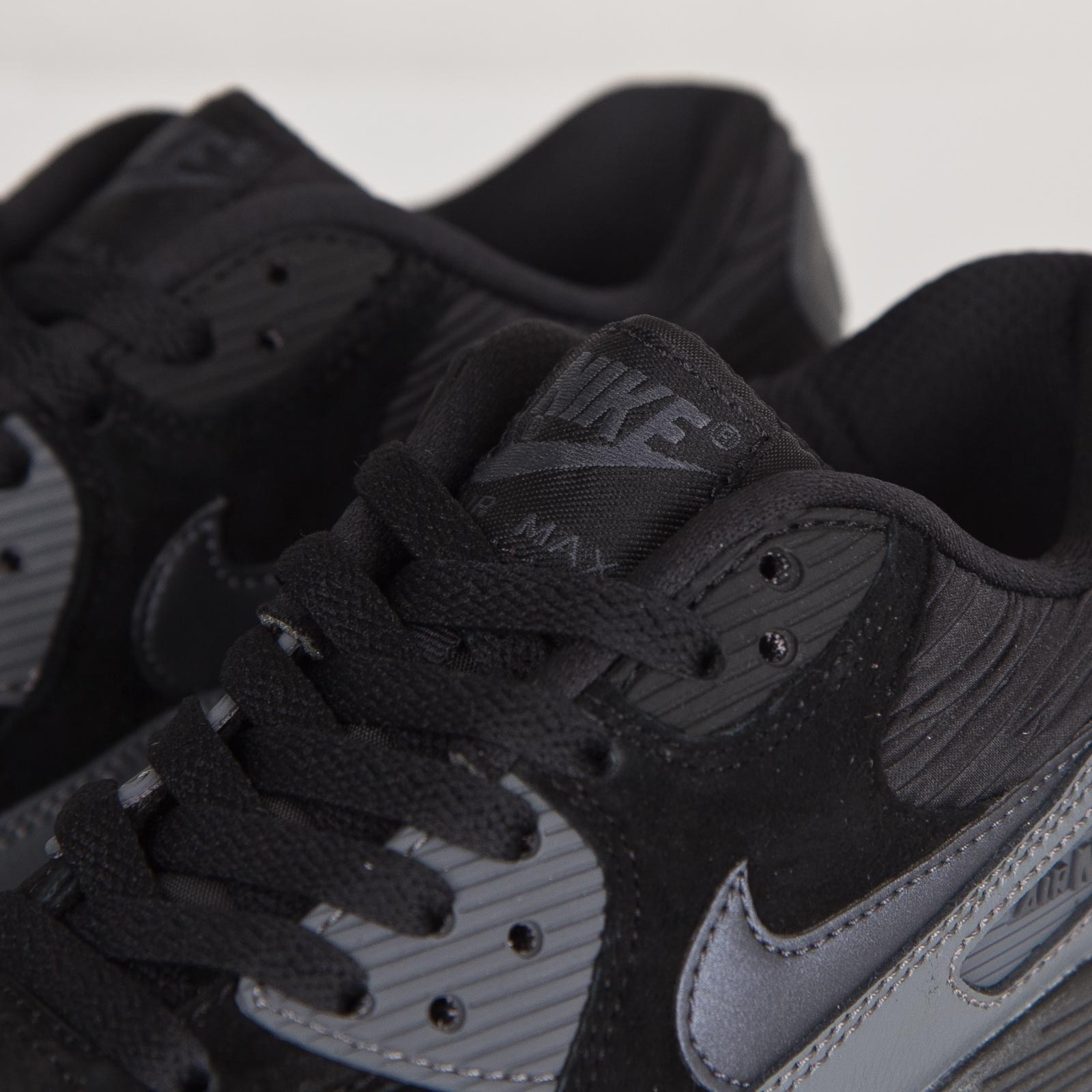 5522601252 Nike Wmns Air Max 90 Leather - 768887-001 - Sneakersnstuff ...