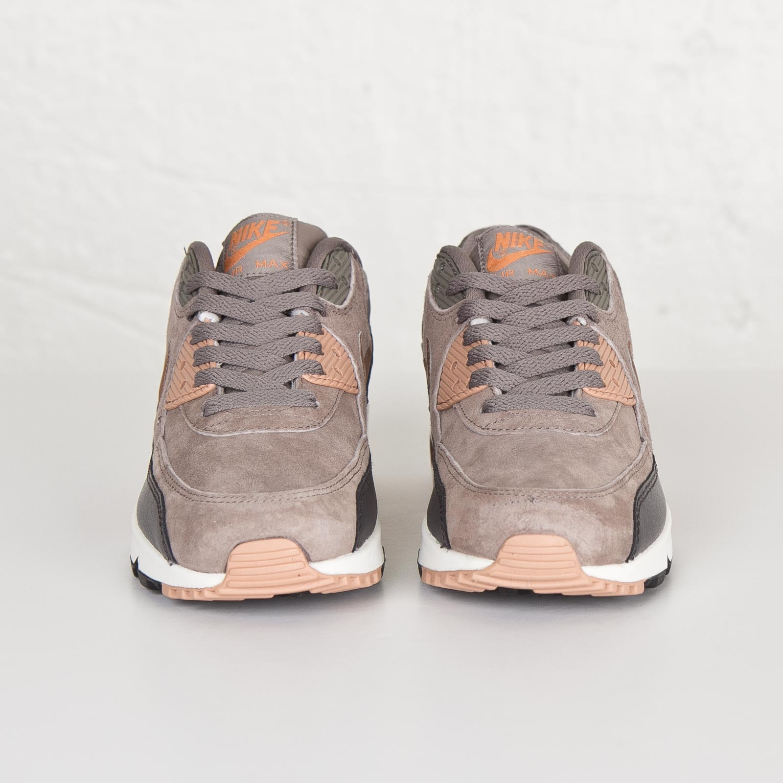 Nike Wmns Air Max 90 Leather - 768887-201 - Sneakersnstuff ...