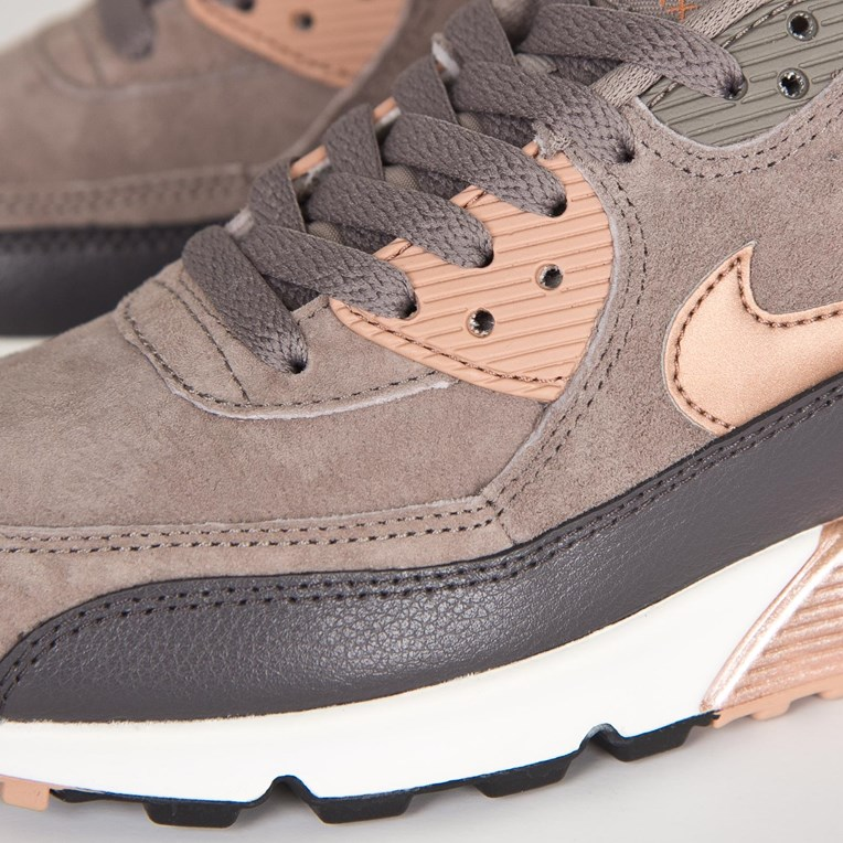 Nike Wmns Air Max 90 Leather - 6