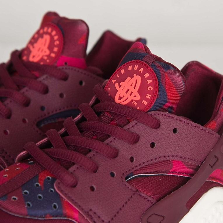 4245b8ef5077 Nike Wmns Air Huarache Run Print - 725076-602 - Sneakersnstuff I ...