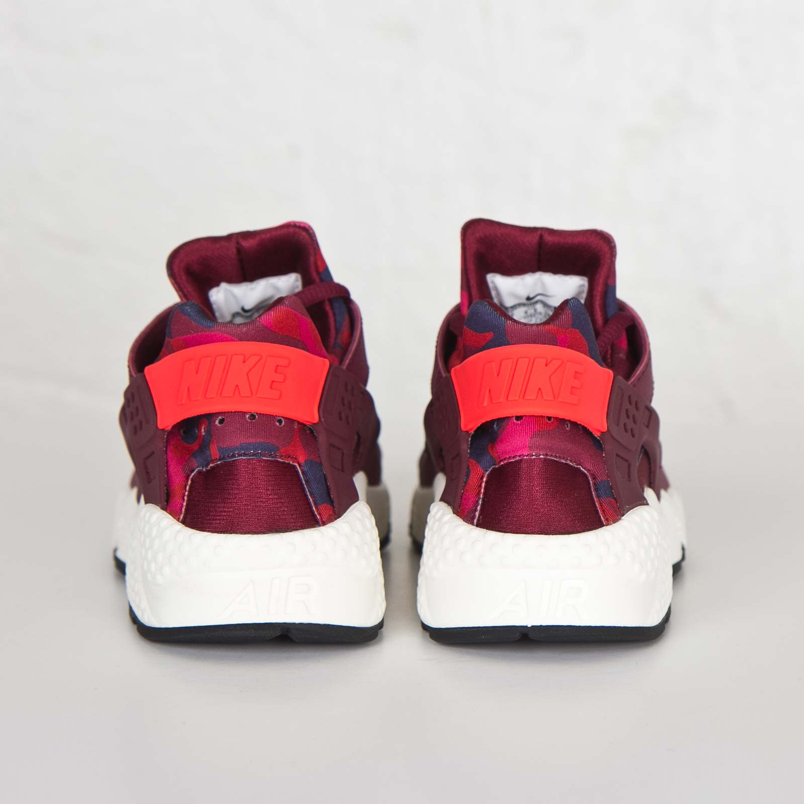 a90ba4b21bb96 Nike Wmns Air Huarache Run Print - 725076-602 - Sneakersnstuff ...