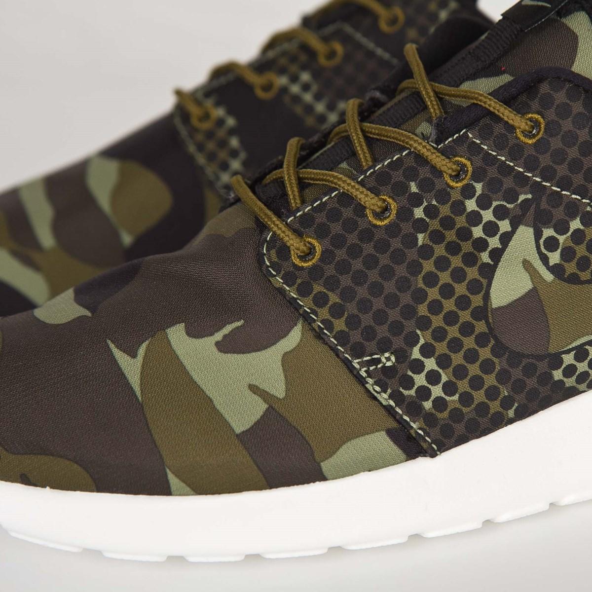 4b2fc559f468 Nike Nike Roshe One Print - 655206-303 - Sneakersnstuff
