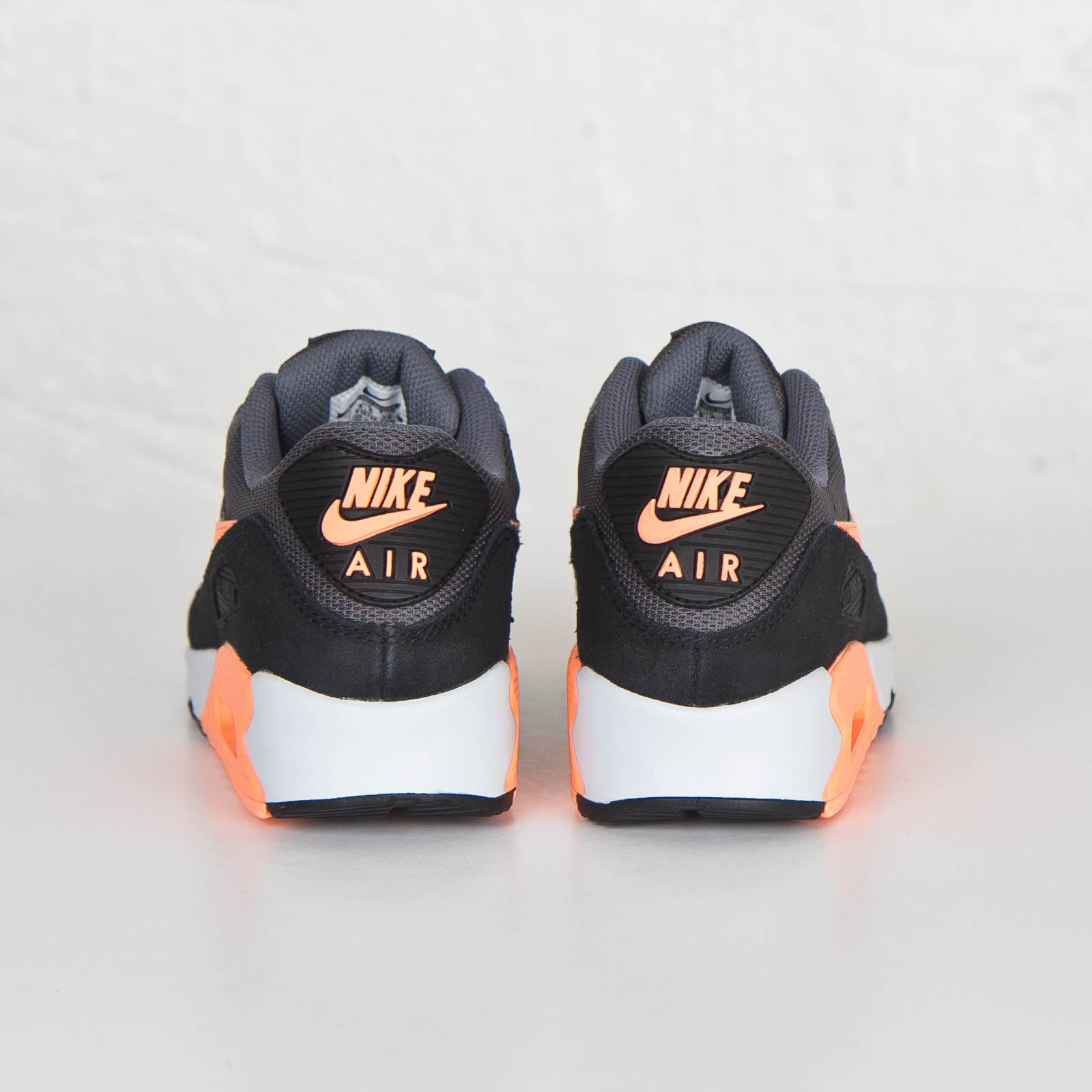 finest selection f7b53 9b770 Nike Air Max 90 Essential - 616730-021 - Sneakersnstuff | sneakers &  streetwear online since 1999