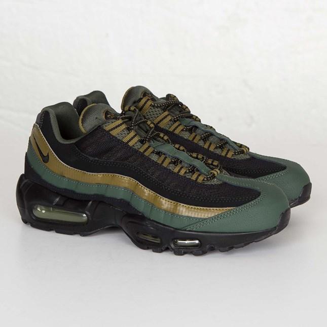 8a4cb94b78 Nike Air Max 95 Essential - 749766-300 - Sneakersnstuff | sneakers &  streetwear online since 1999