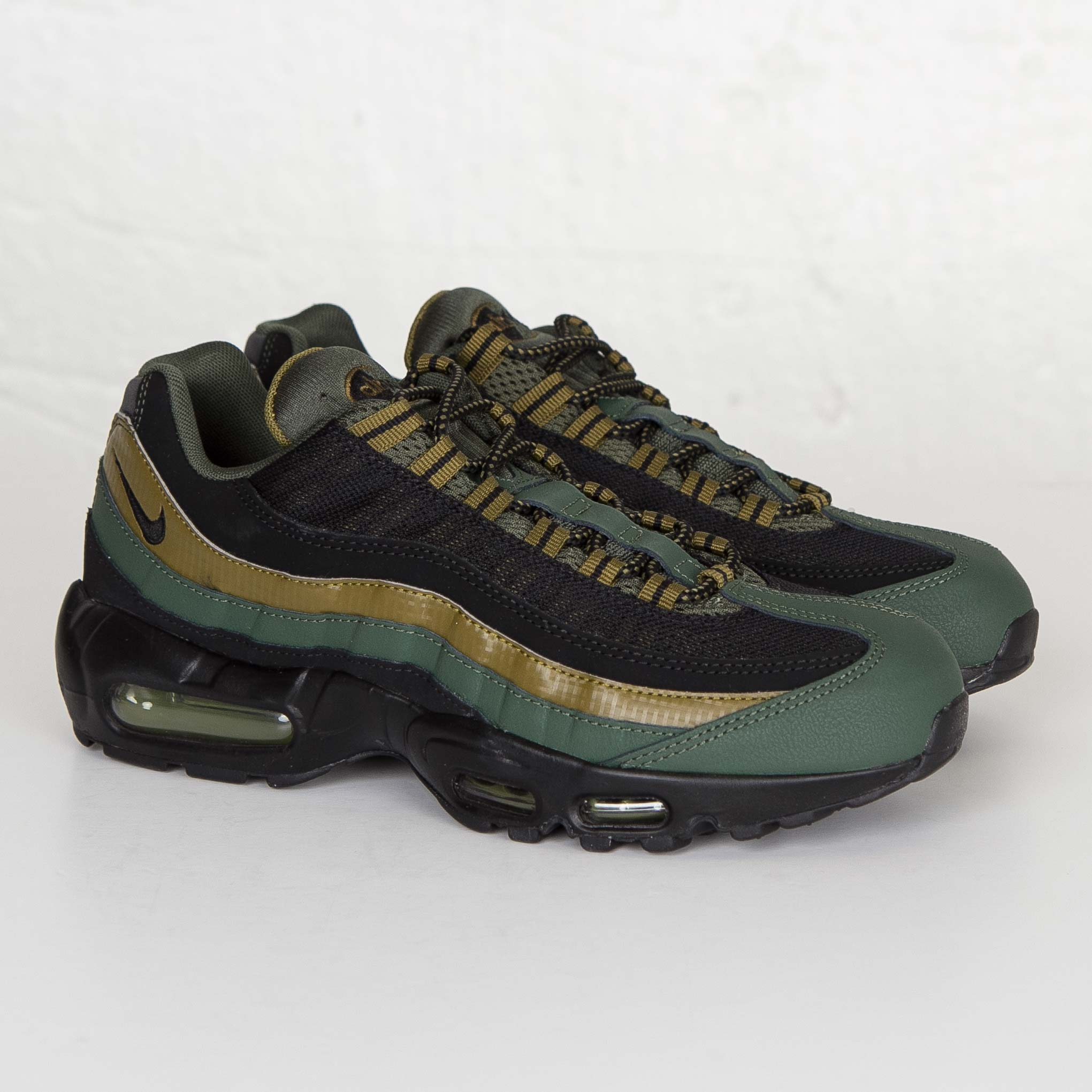official photos 45d25 6e2f7 Nike Air Max 95 Essential
