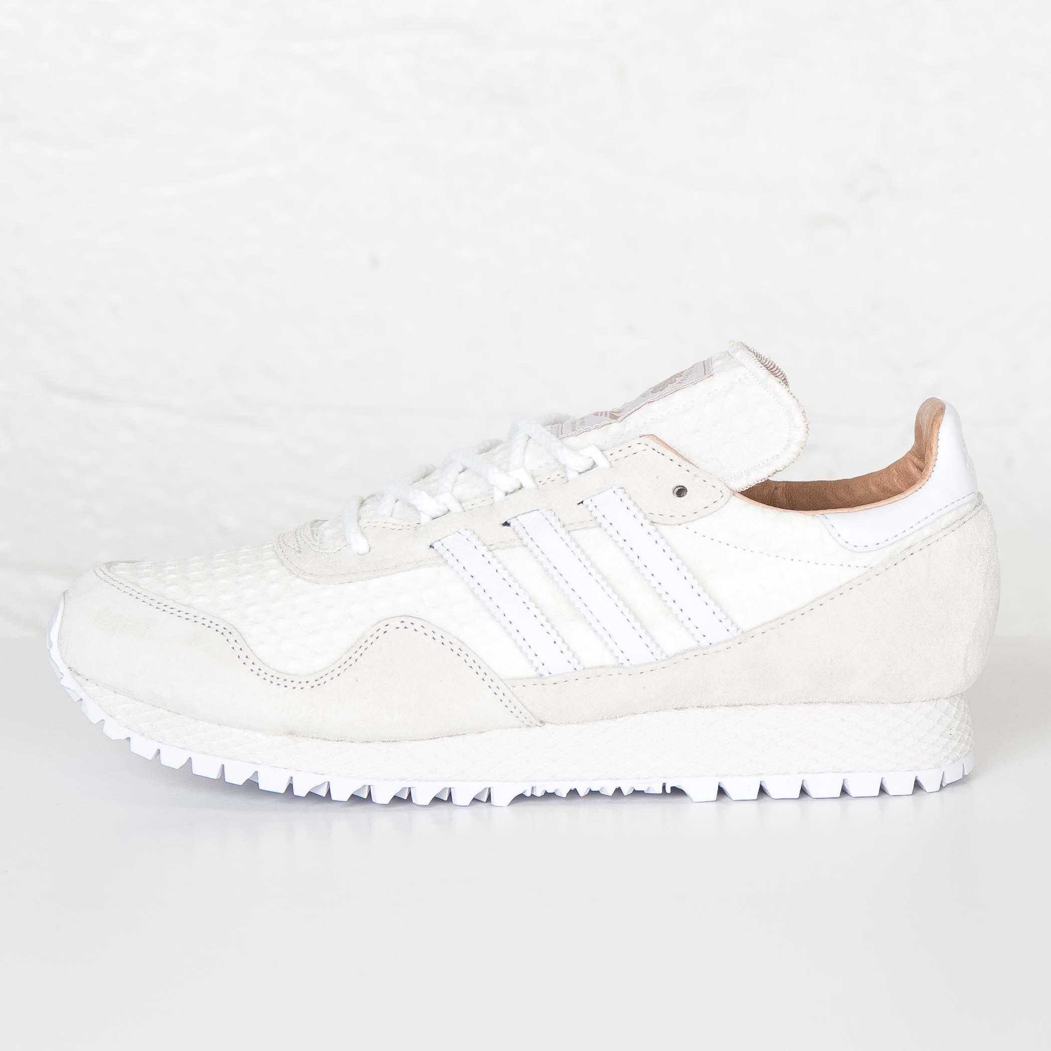 2064de589ae adidas New York x AKOG - Af5806 - Sneakersnstuff